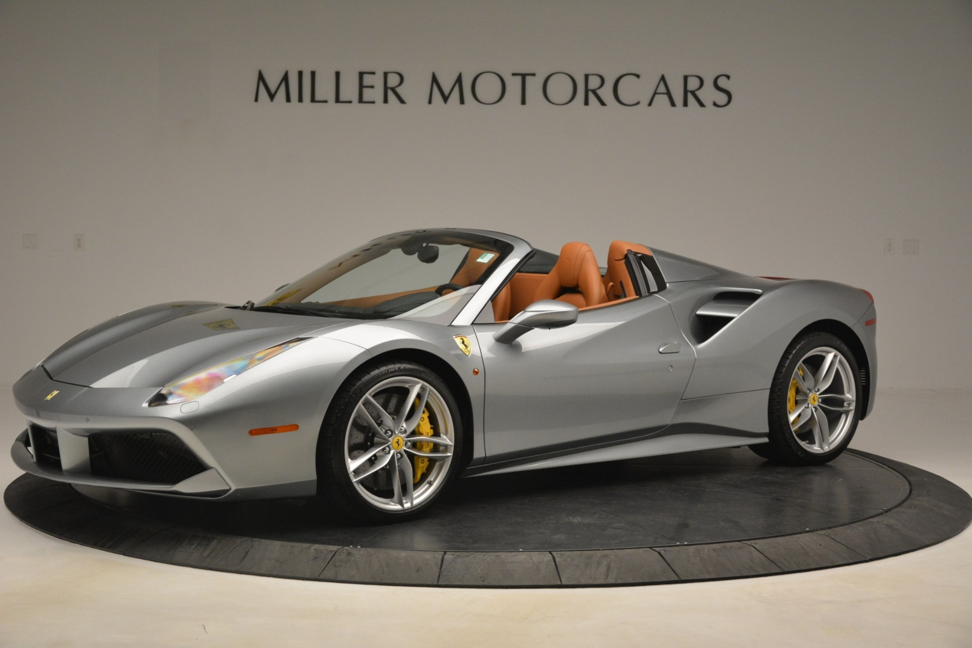 Used 2019 Ferrari 488 Spider  For Sale In Westport, CT 3216_p2