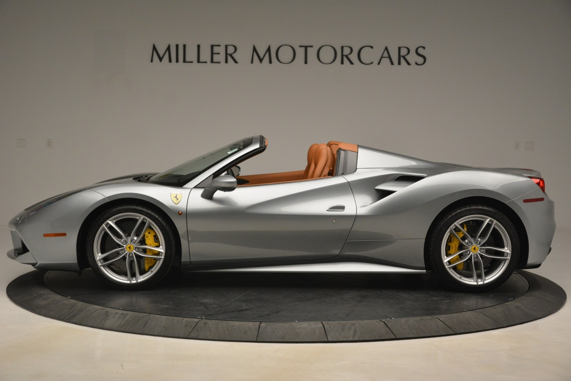 Used 2019 Ferrari 488 Spider  For Sale In Westport, CT 3216_p3