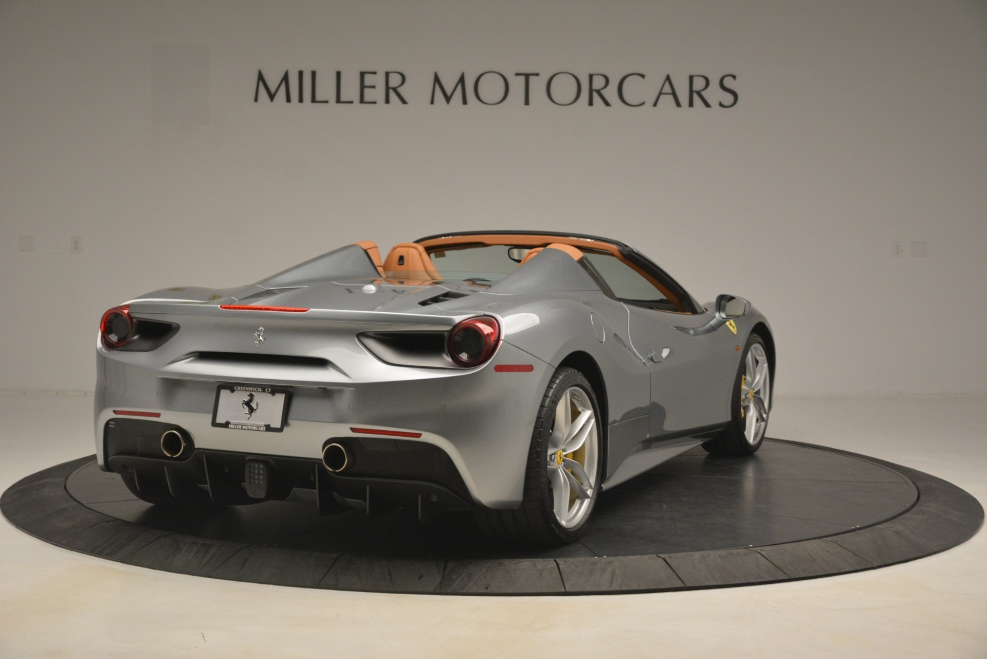 Used 2019 Ferrari 488 Spider  For Sale In Westport, CT 3216_p7