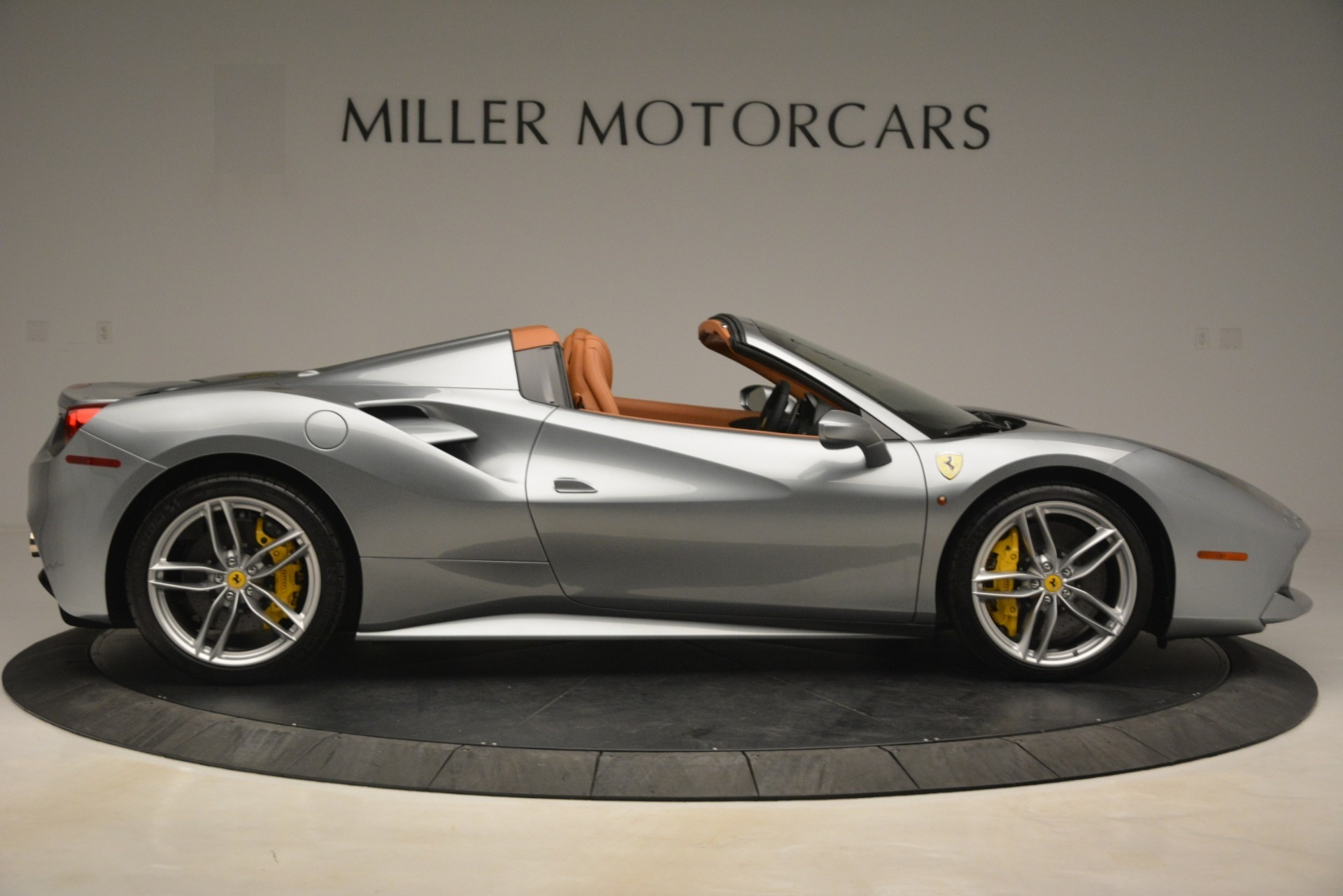 Used 2019 Ferrari 488 Spider  For Sale In Westport, CT 3216_p9
