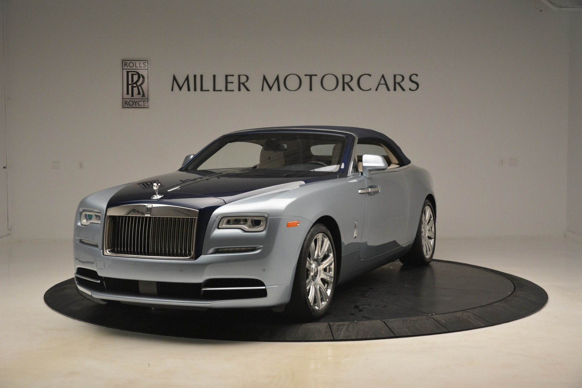 Used 2016 Rolls-Royce Dawn  For Sale In Westport, CT 3217_p11
