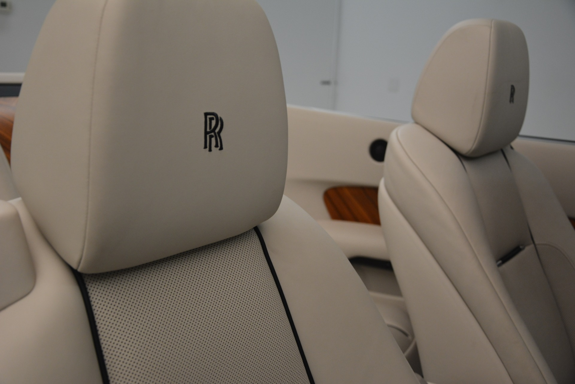Used 2016 Rolls-Royce Dawn  For Sale In Westport, CT 3217_p24