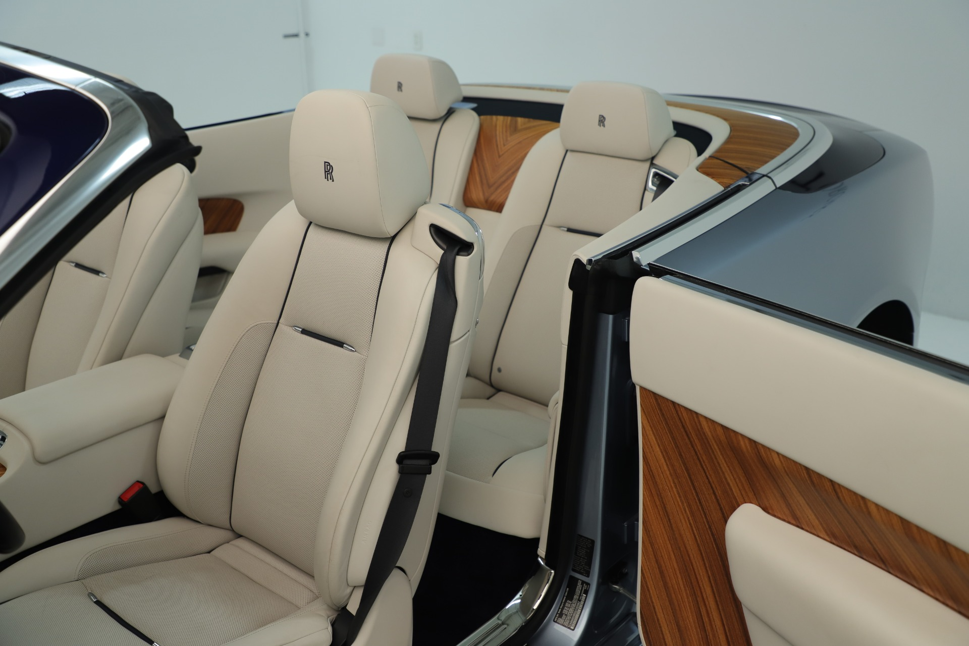 Used 2016 Rolls-Royce Dawn  For Sale In Westport, CT 3217_p33