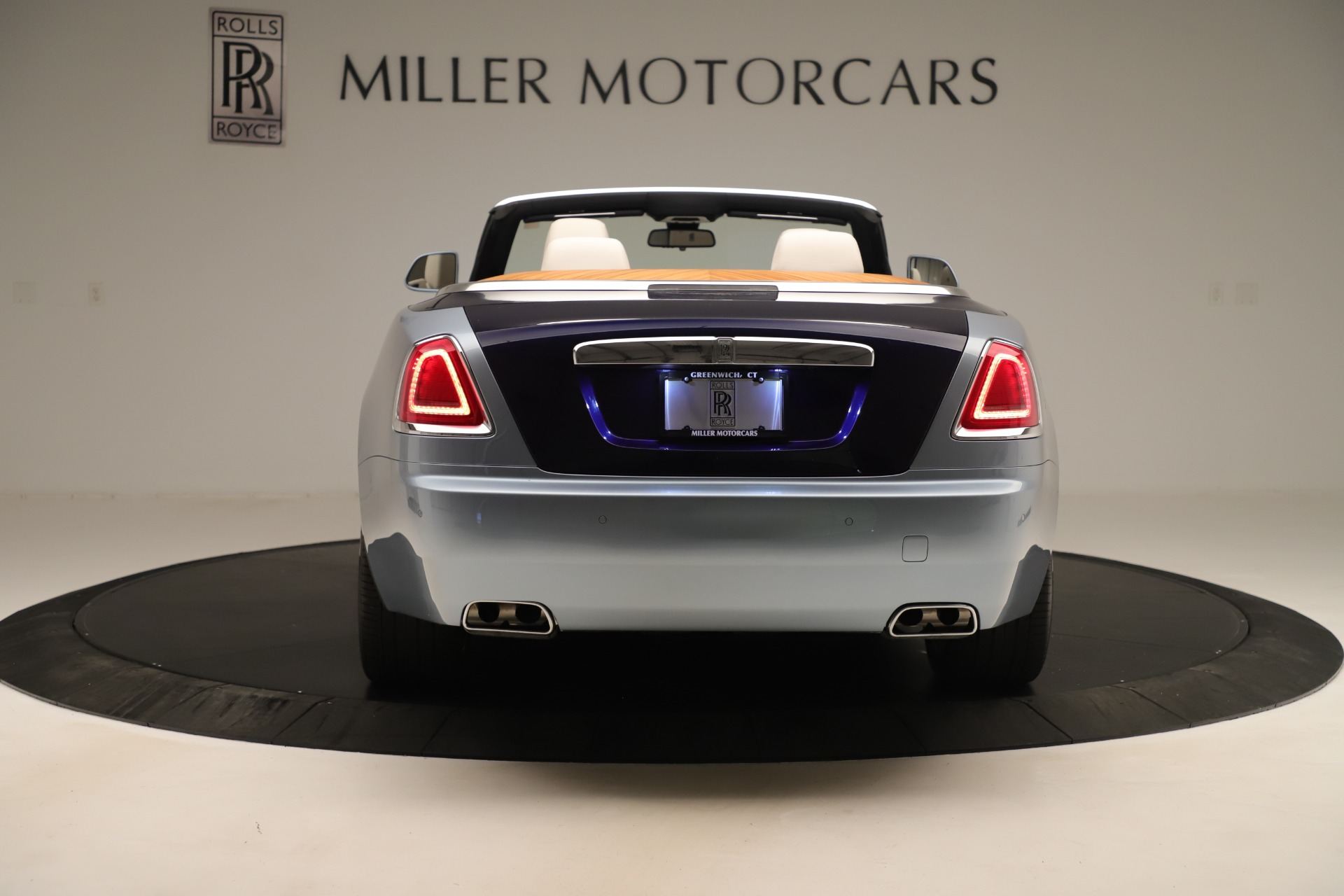 Used 2016 Rolls-Royce Dawn  For Sale In Westport, CT 3217_p5