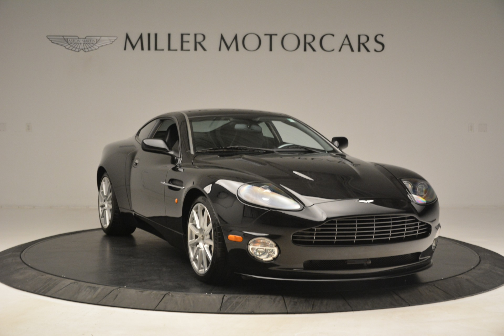 Used 2005 Aston Martin V12 Vanquish S Coupe For Sale In Westport, CT 3218_p11