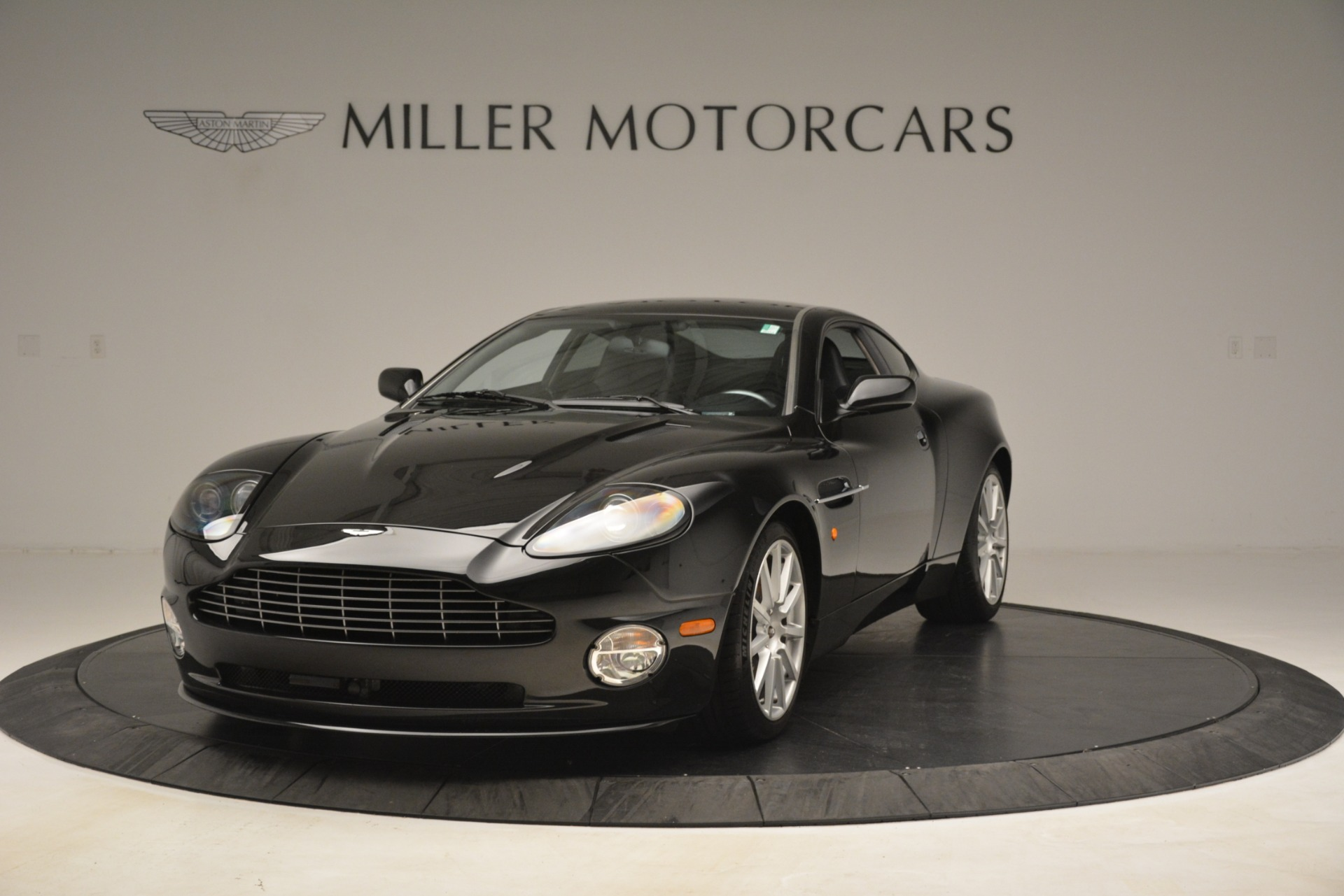 Used 2005 Aston Martin V12 Vanquish S Coupe For Sale In Westport, CT 3218_p2