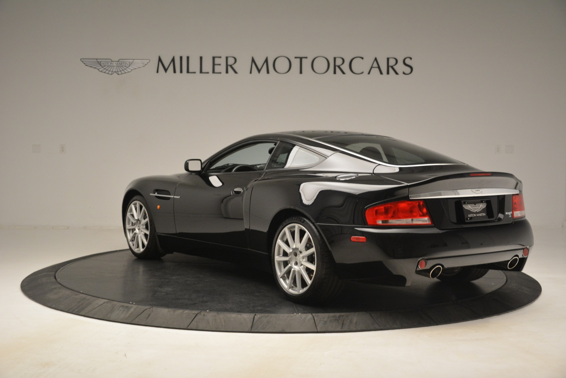 Used 2005 Aston Martin V12 Vanquish S Coupe For Sale In Westport, CT 3218_p5