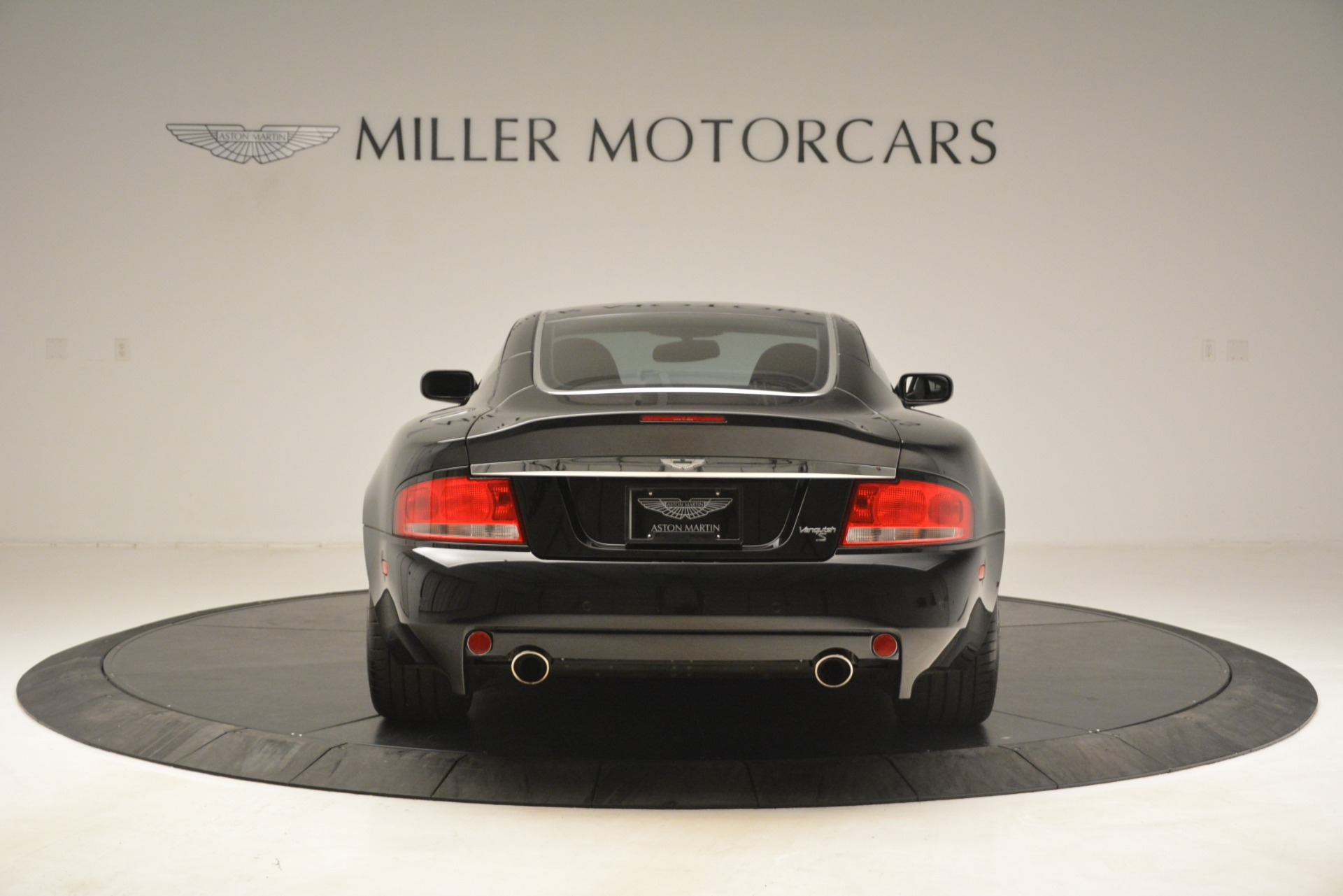 Used 2005 Aston Martin V12 Vanquish S Coupe For Sale In Westport, CT 3218_p6