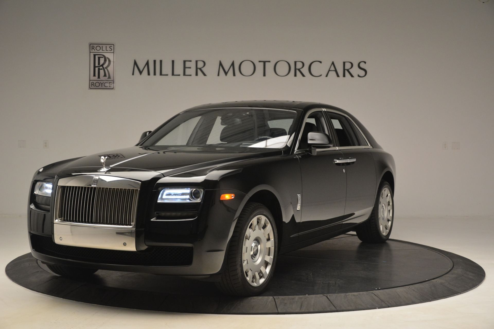 Used 2014 Rolls-Royce Ghost  For Sale In Westport, CT 3220_main