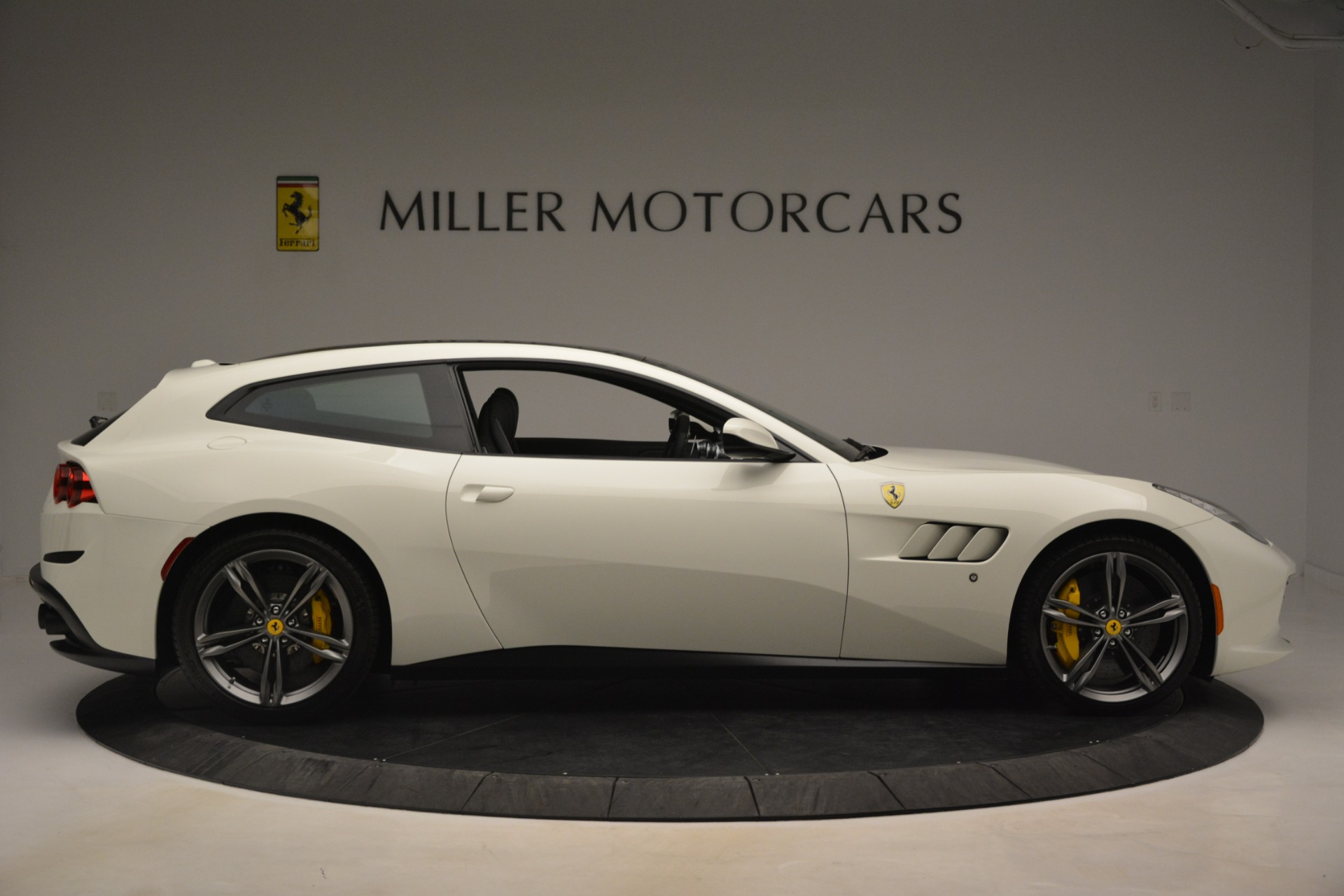 Used 2018 Ferrari GTC4Lusso  For Sale In Westport, CT 3221_p10