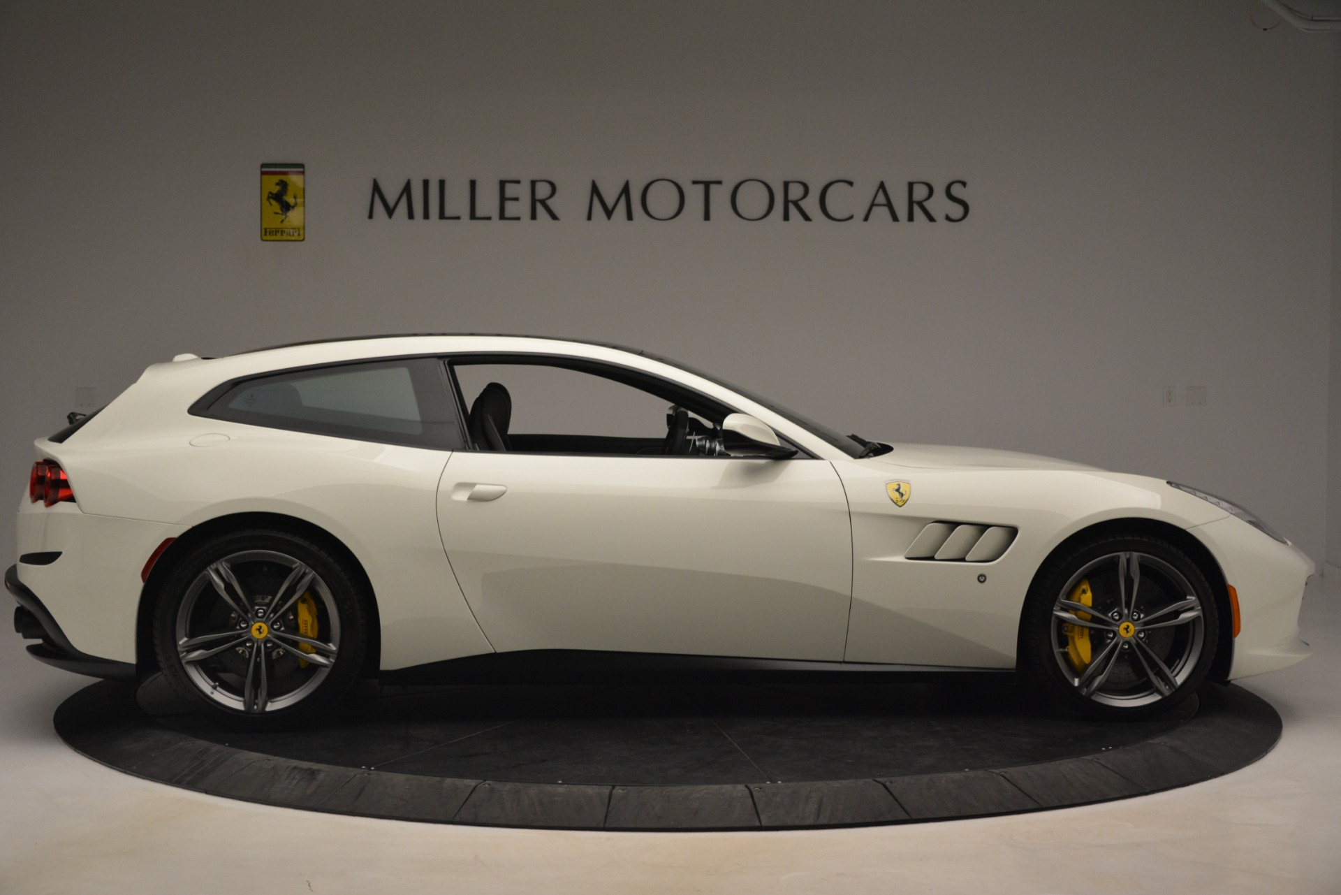 Used 2018 Ferrari GTC4Lusso  For Sale In Westport, CT 3221_p9