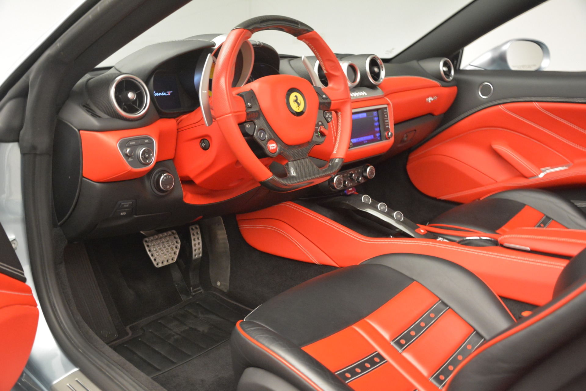 Used 2016 Ferrari California T  For Sale In Westport, CT 3224_p18