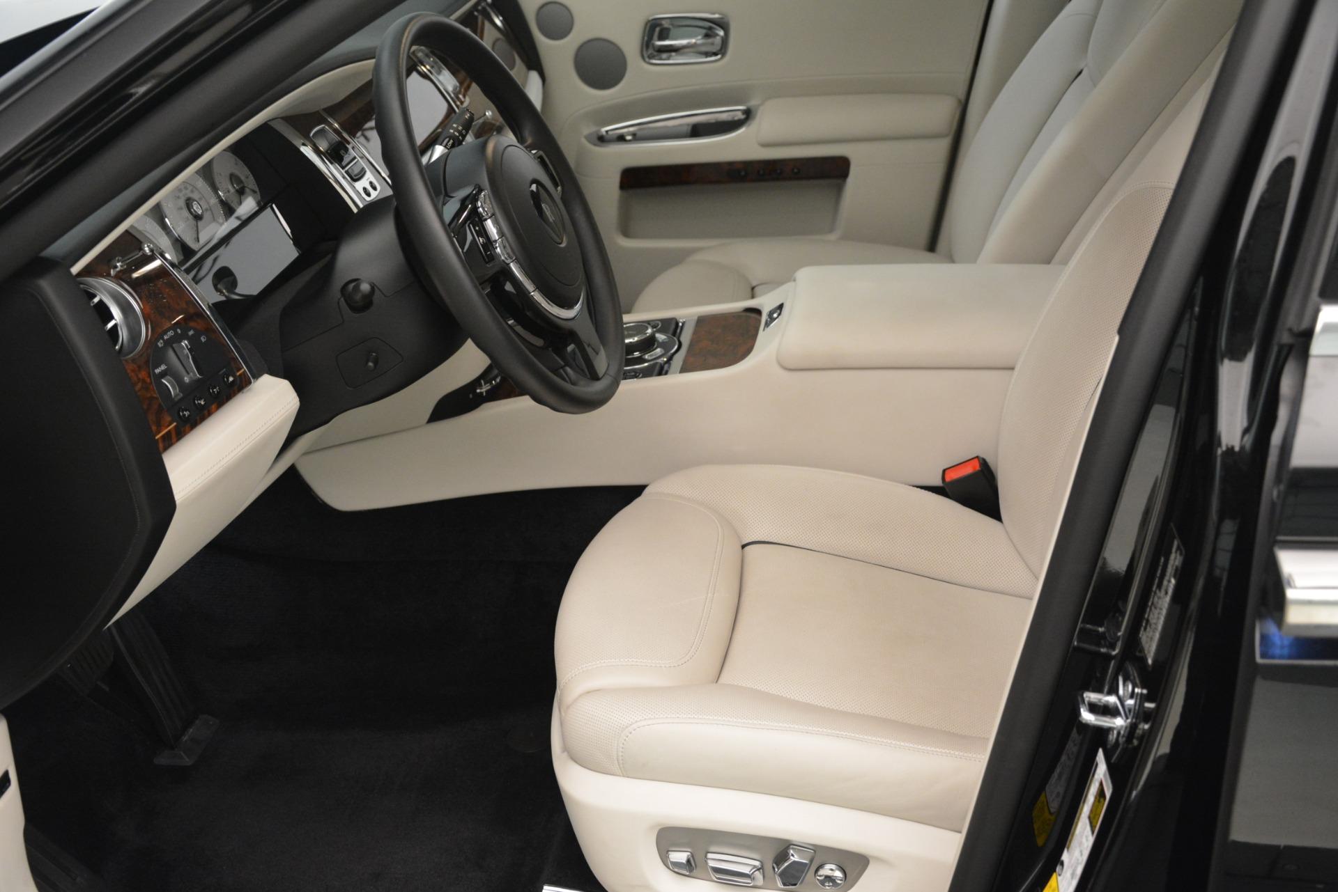 Used 2016 Rolls-Royce Ghost  For Sale In Westport, CT 3225_p14
