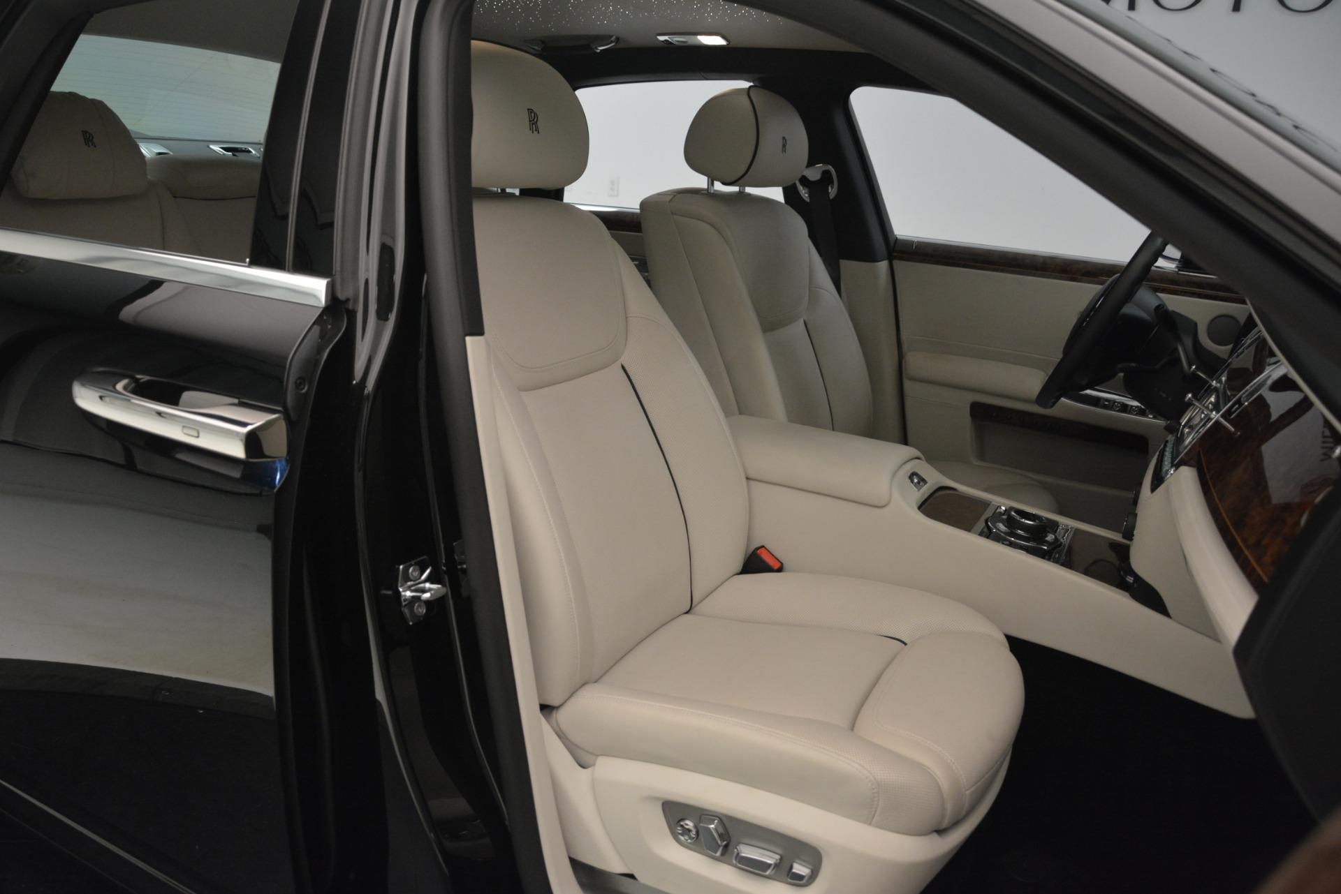 Used 2016 Rolls-Royce Ghost  For Sale In Westport, CT 3225_p16