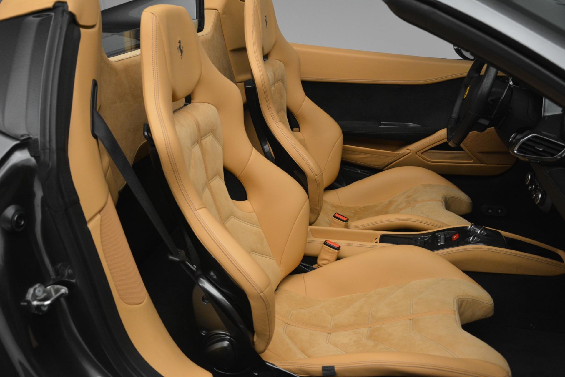 Used 2013 Ferrari 458 Spider  For Sale In Westport, CT 3232_p22