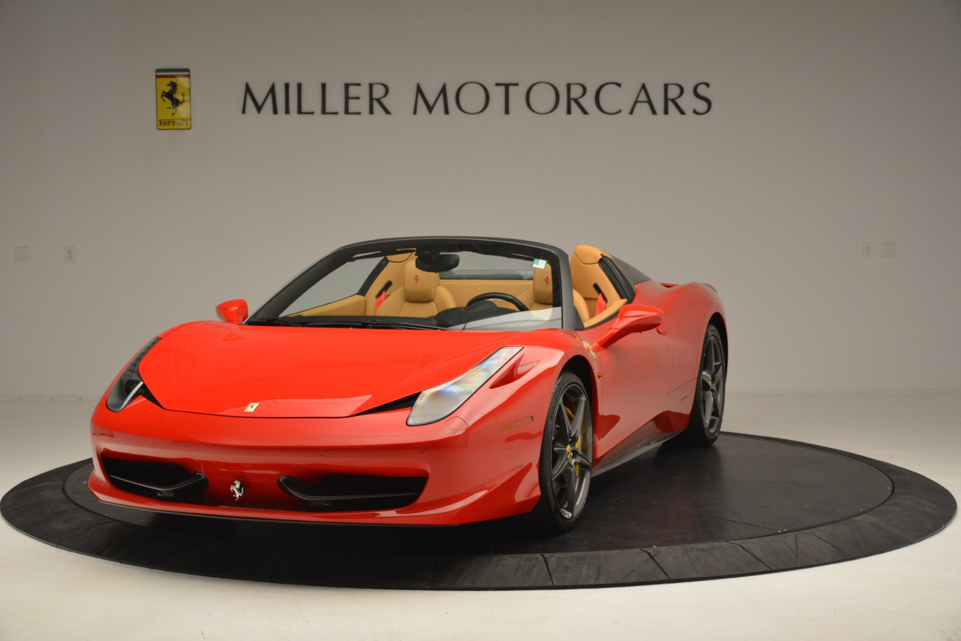 Used 2015 Ferrari 458 Spider  For Sale In Westport, CT 3233_main