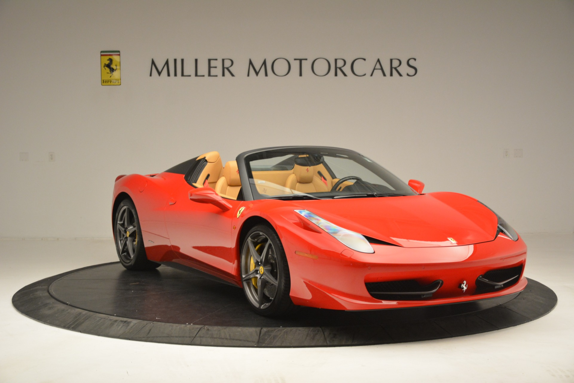Used 2015 Ferrari 458 Spider  For Sale In Westport, CT 3233_p12