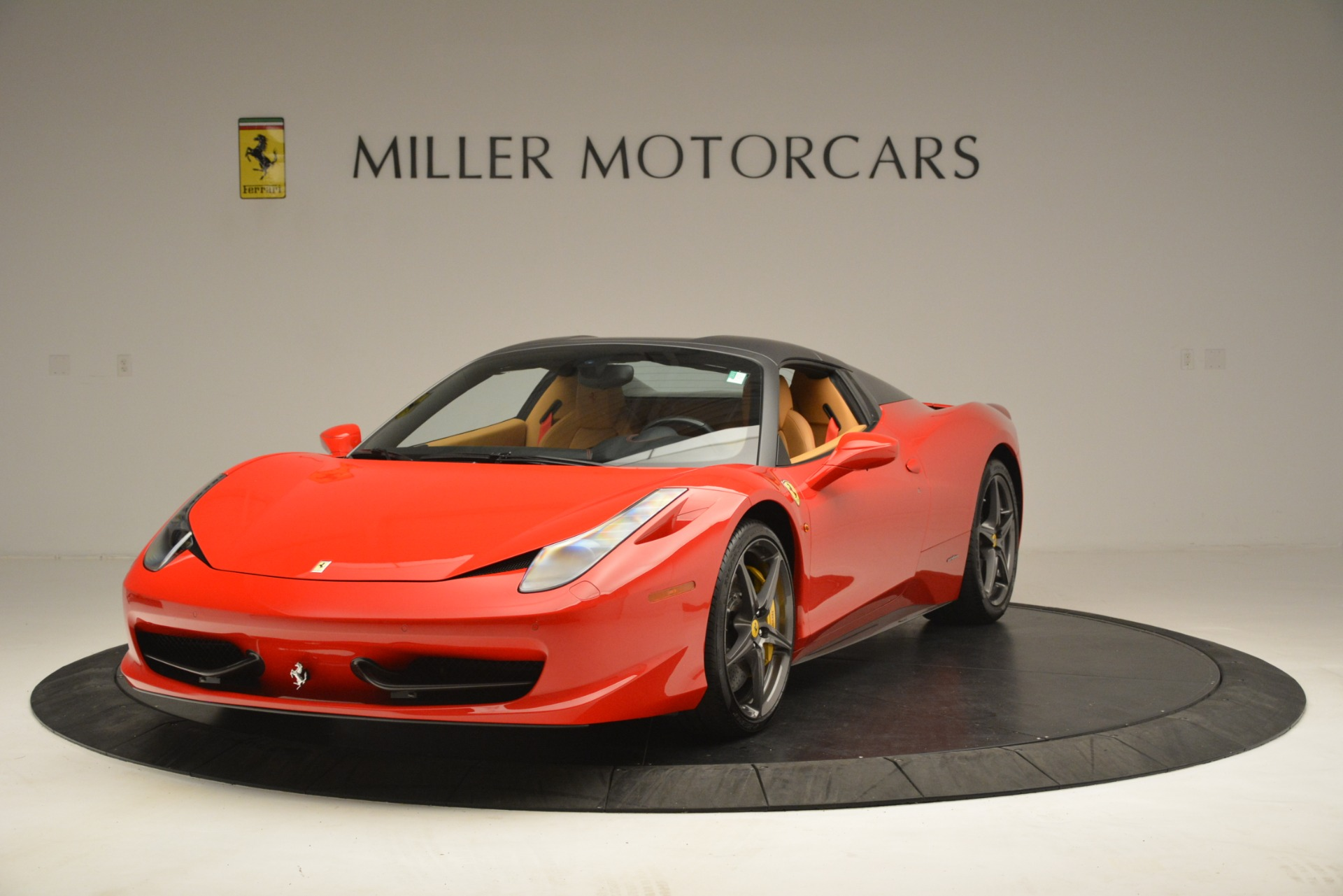 Used 2015 Ferrari 458 Spider  For Sale In Westport, CT 3233_p14