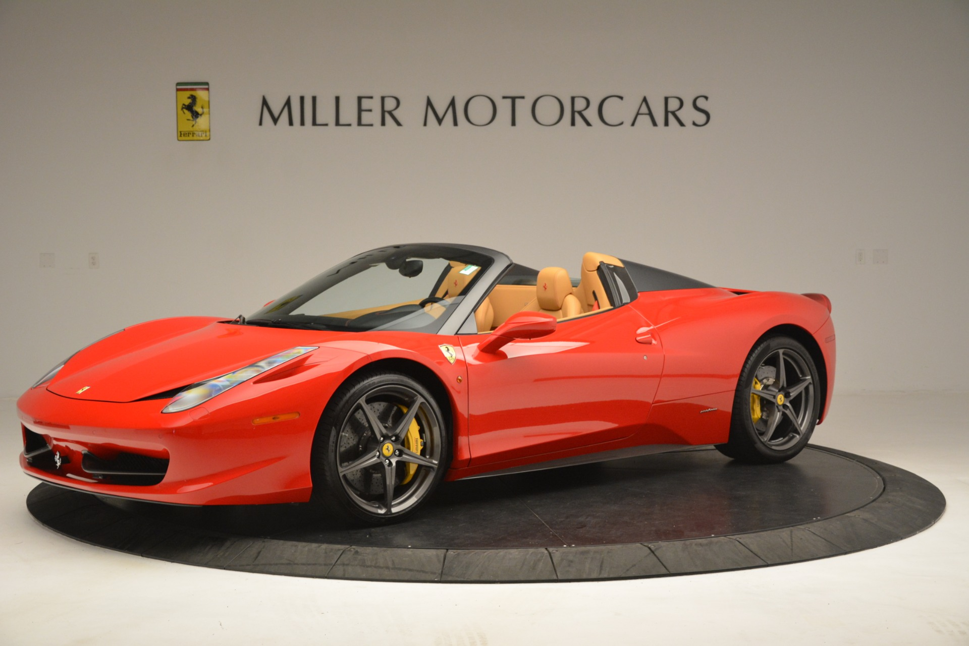 Used 2015 Ferrari 458 Spider  For Sale In Westport, CT 3233_p2