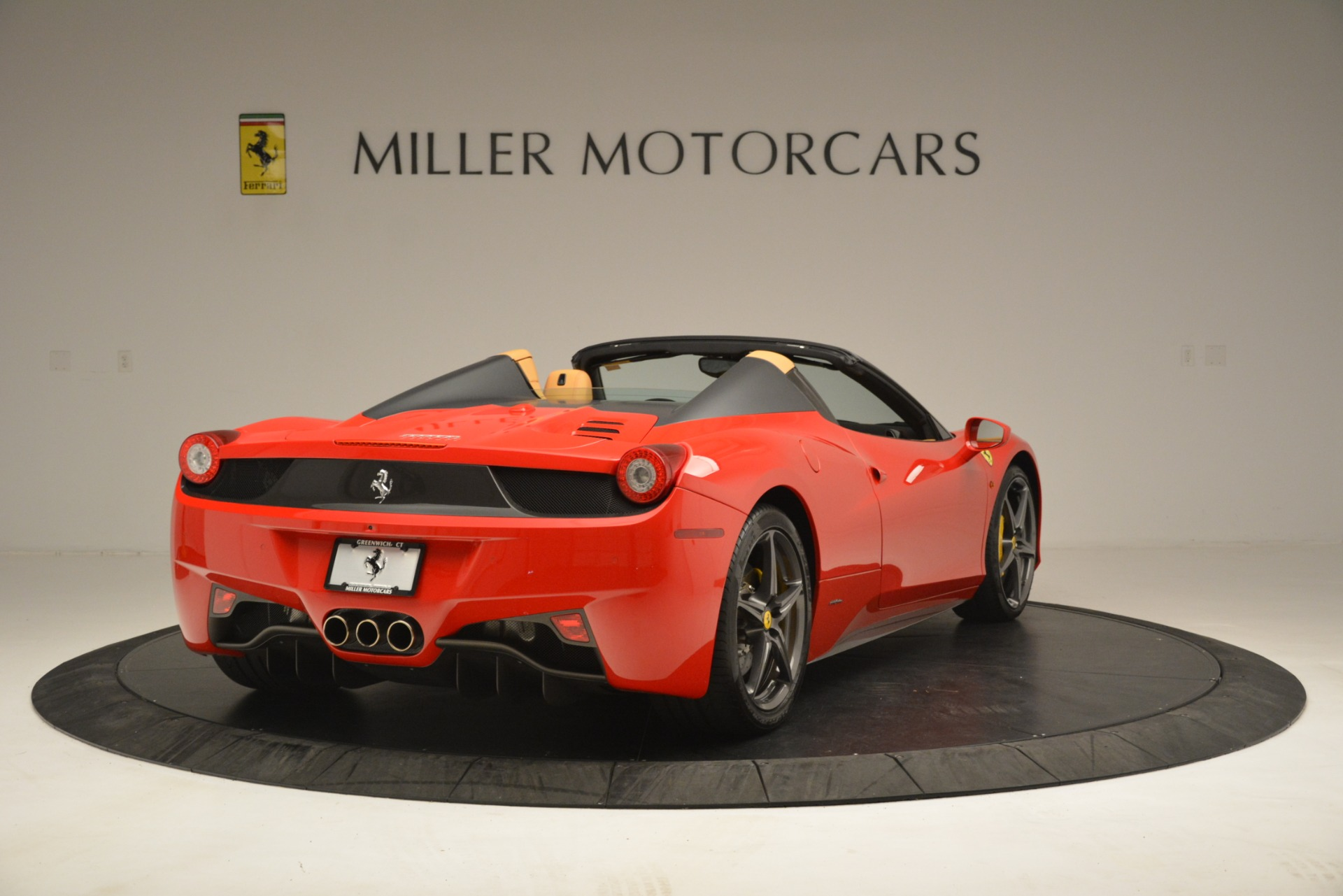 Used 2015 Ferrari 458 Spider  For Sale In Westport, CT 3233_p8