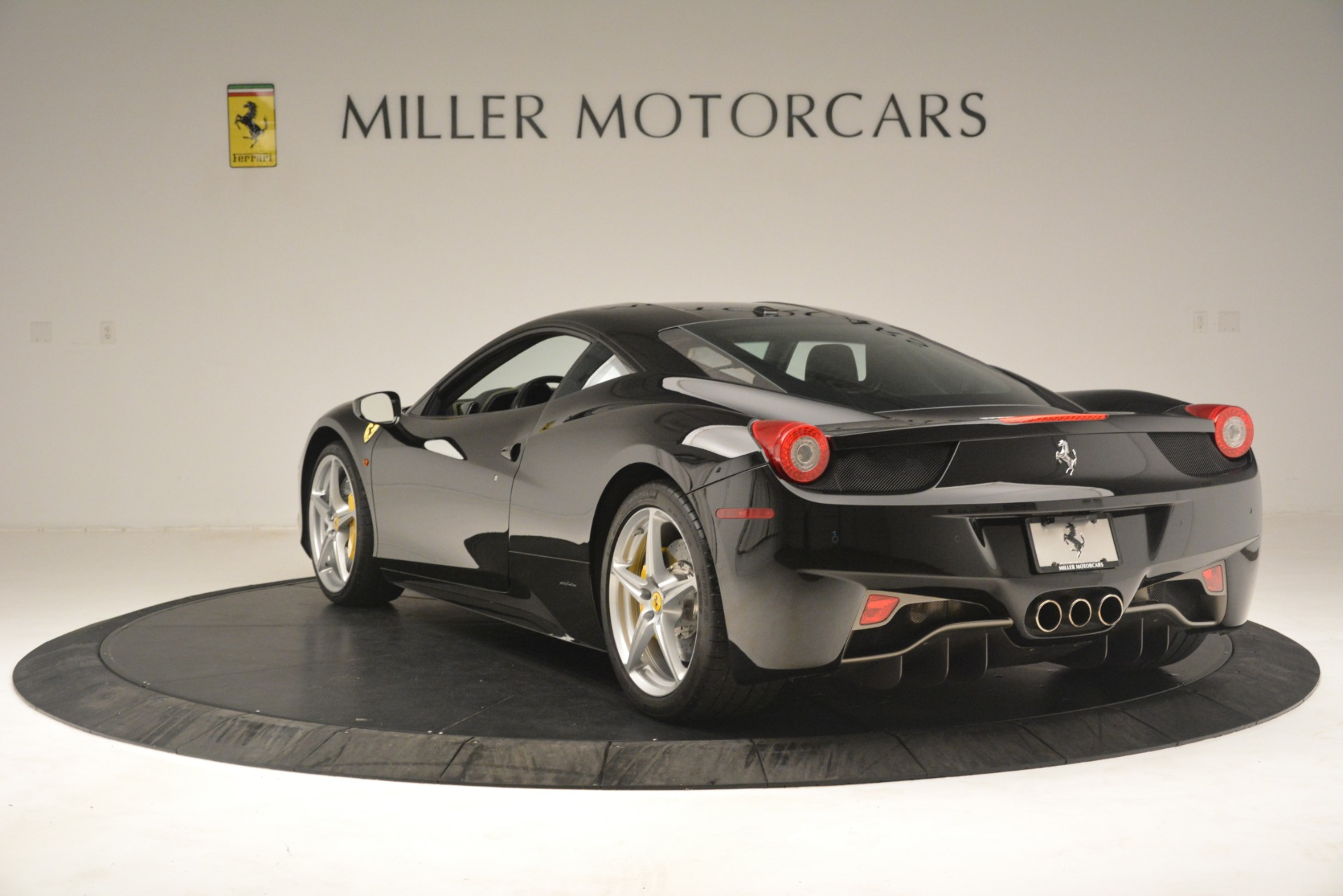 Used 2011 Ferrari 458 Italia  For Sale In Westport, CT 3236_p5