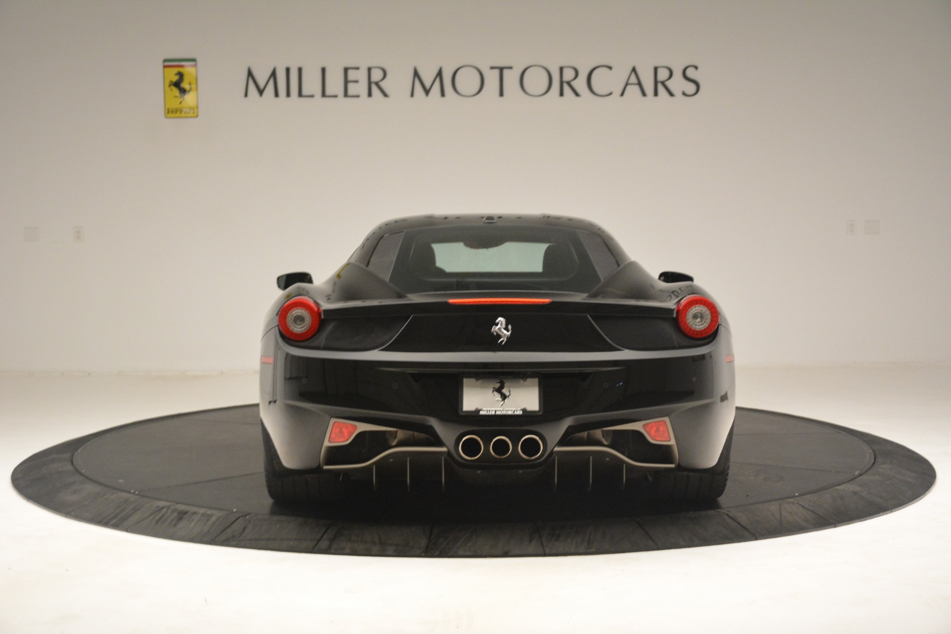 Used 2011 Ferrari 458 Italia  For Sale In Westport, CT 3236_p6