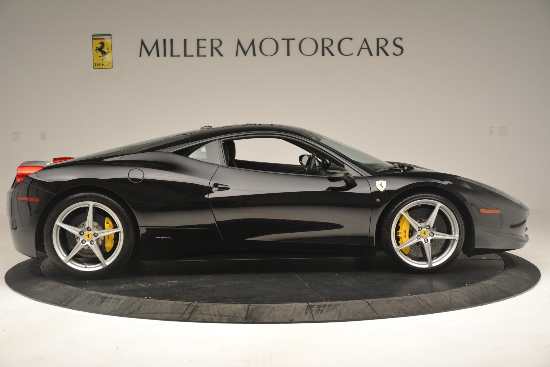 Used 2011 Ferrari 458 Italia  For Sale In Westport, CT 3236_p9