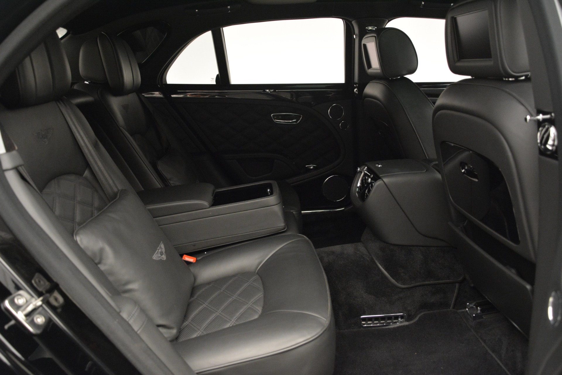 Used 2016 Bentley Mulsanne  For Sale In Westport, CT 3240_p30