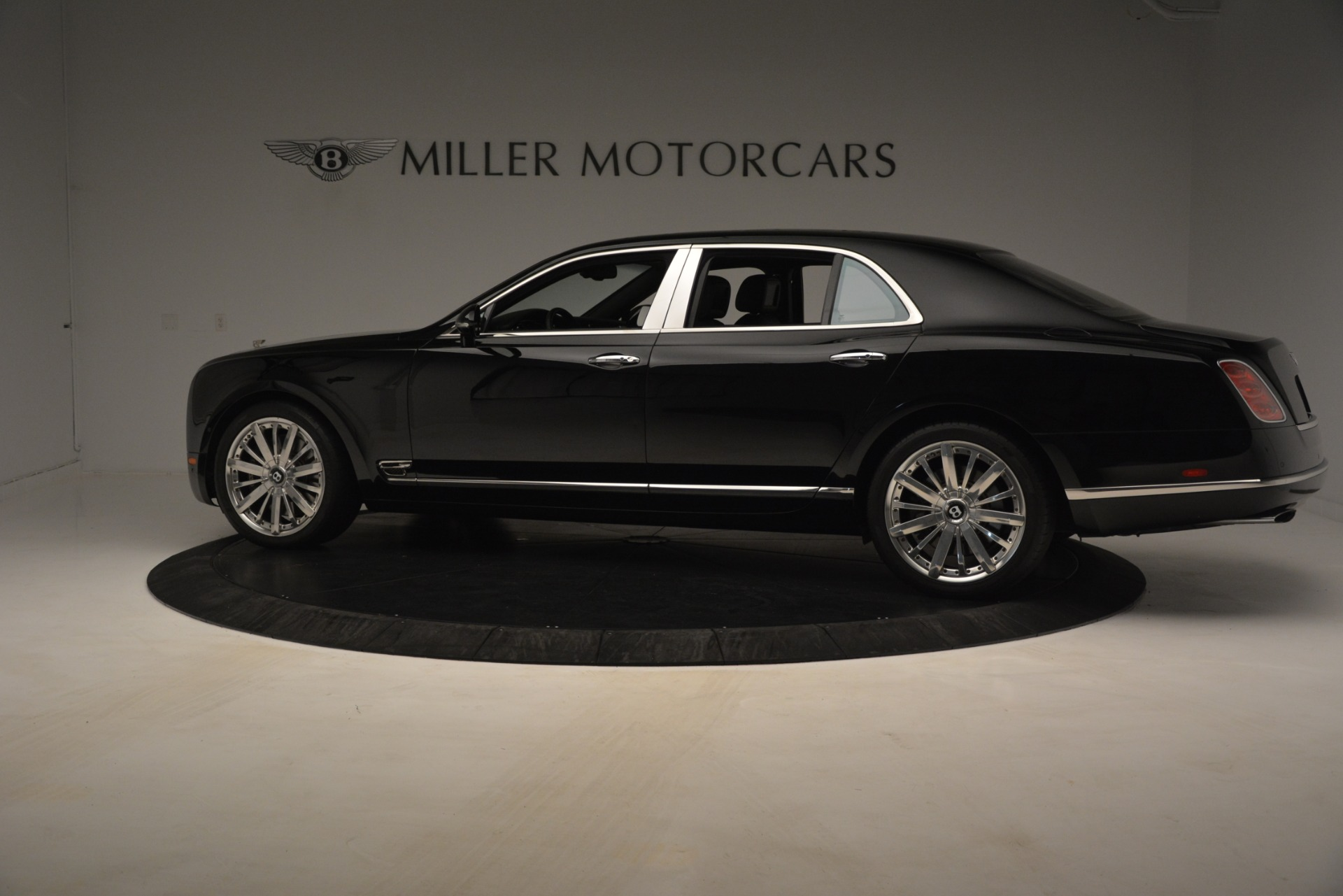 Used 2016 Bentley Mulsanne  For Sale In Westport, CT 3240_p4