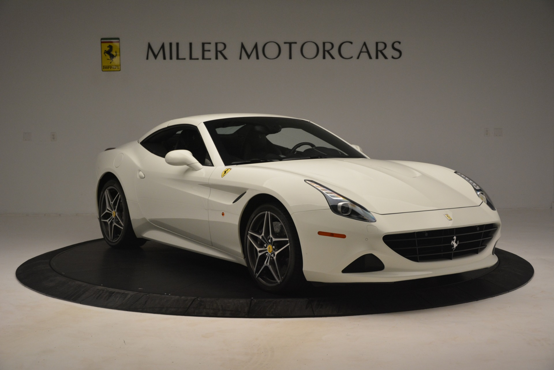 Used 2016 Ferrari California T  For Sale In Westport, CT 3256_p13