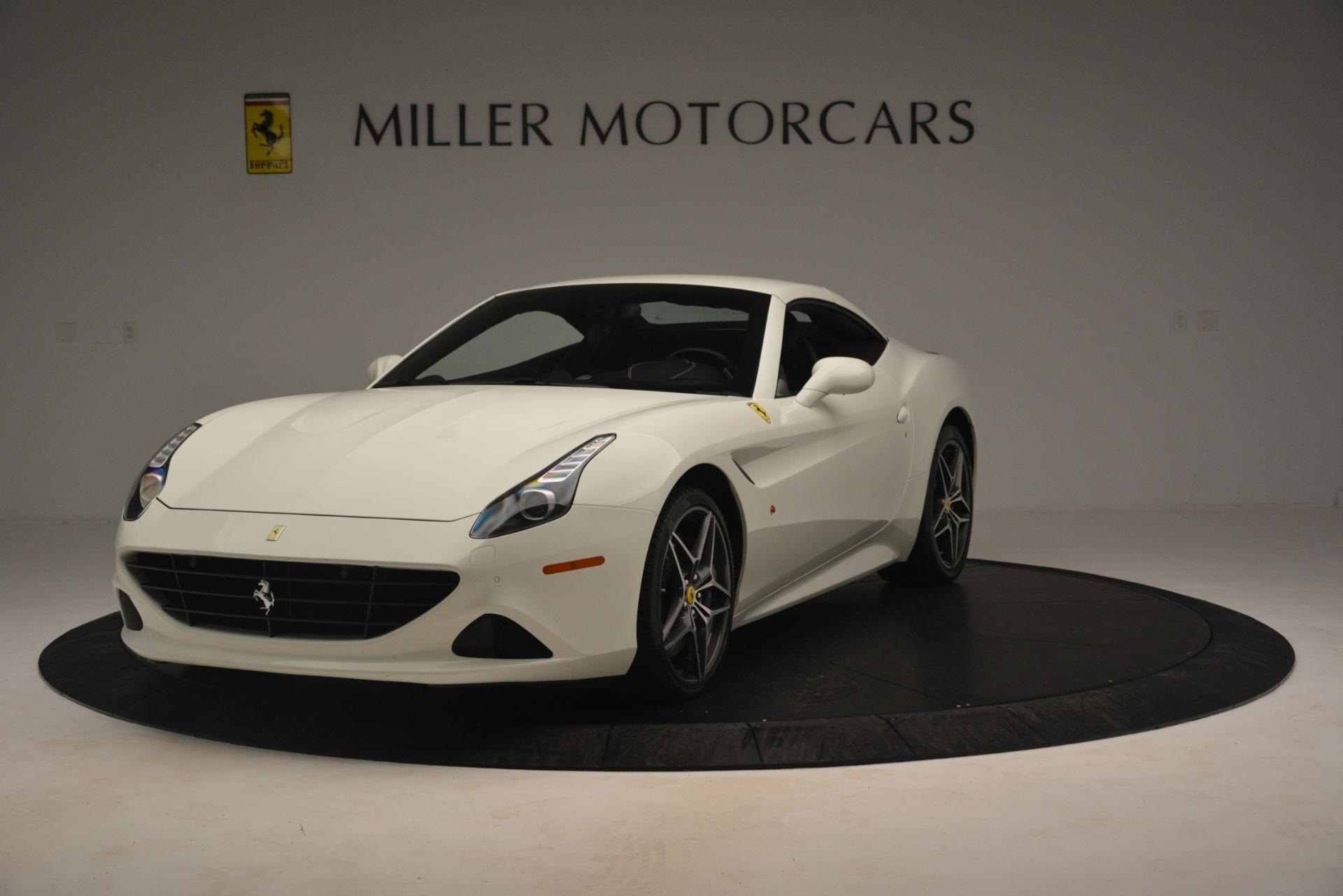 Used 2016 Ferrari California T  For Sale In Westport, CT 3256_p14