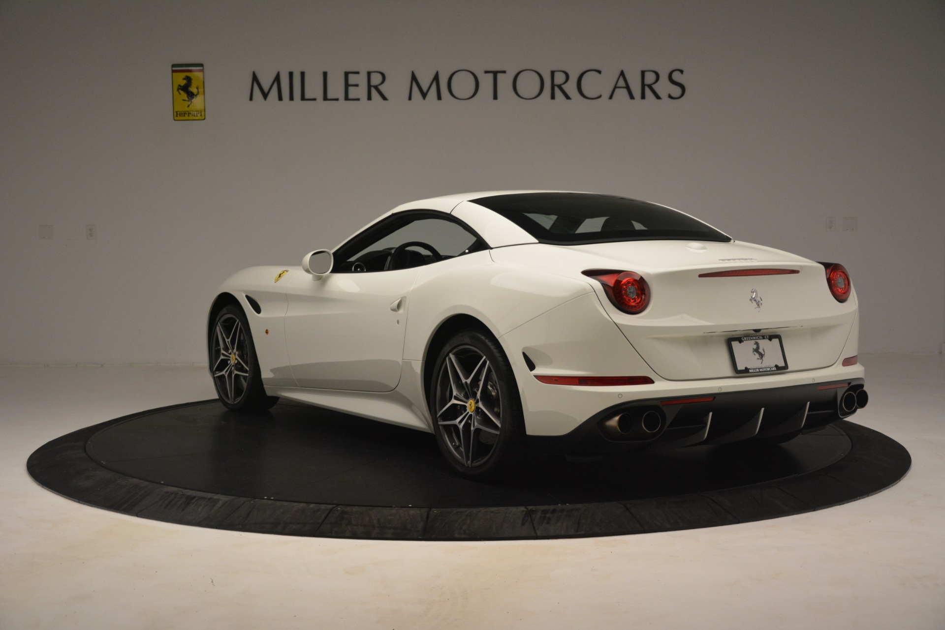 Used 2016 Ferrari California T  For Sale In Westport, CT 3256_p16