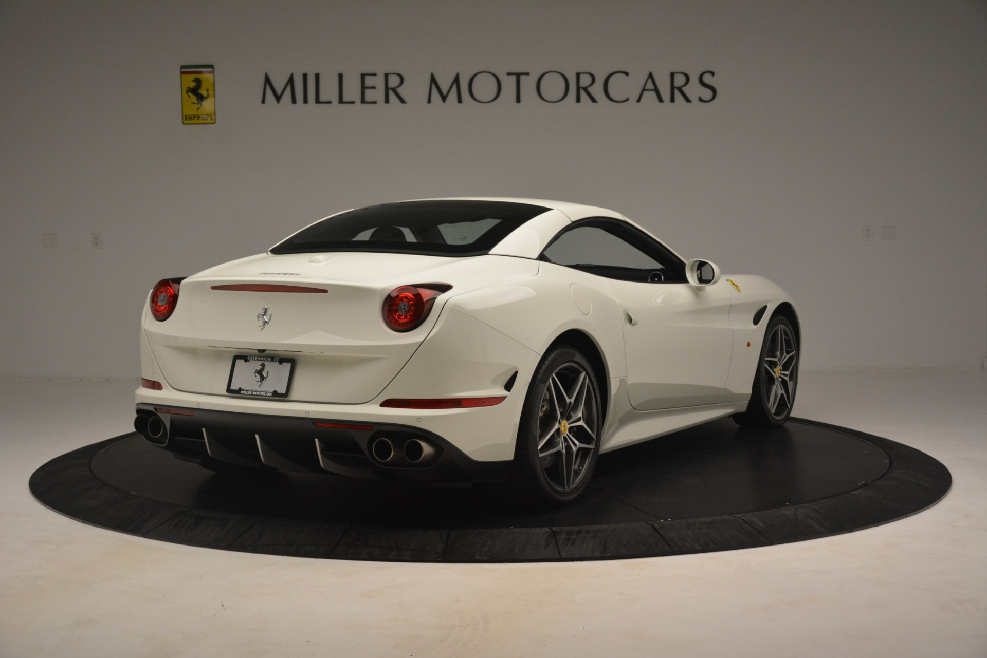 Used 2016 Ferrari California T  For Sale In Westport, CT 3256_p17