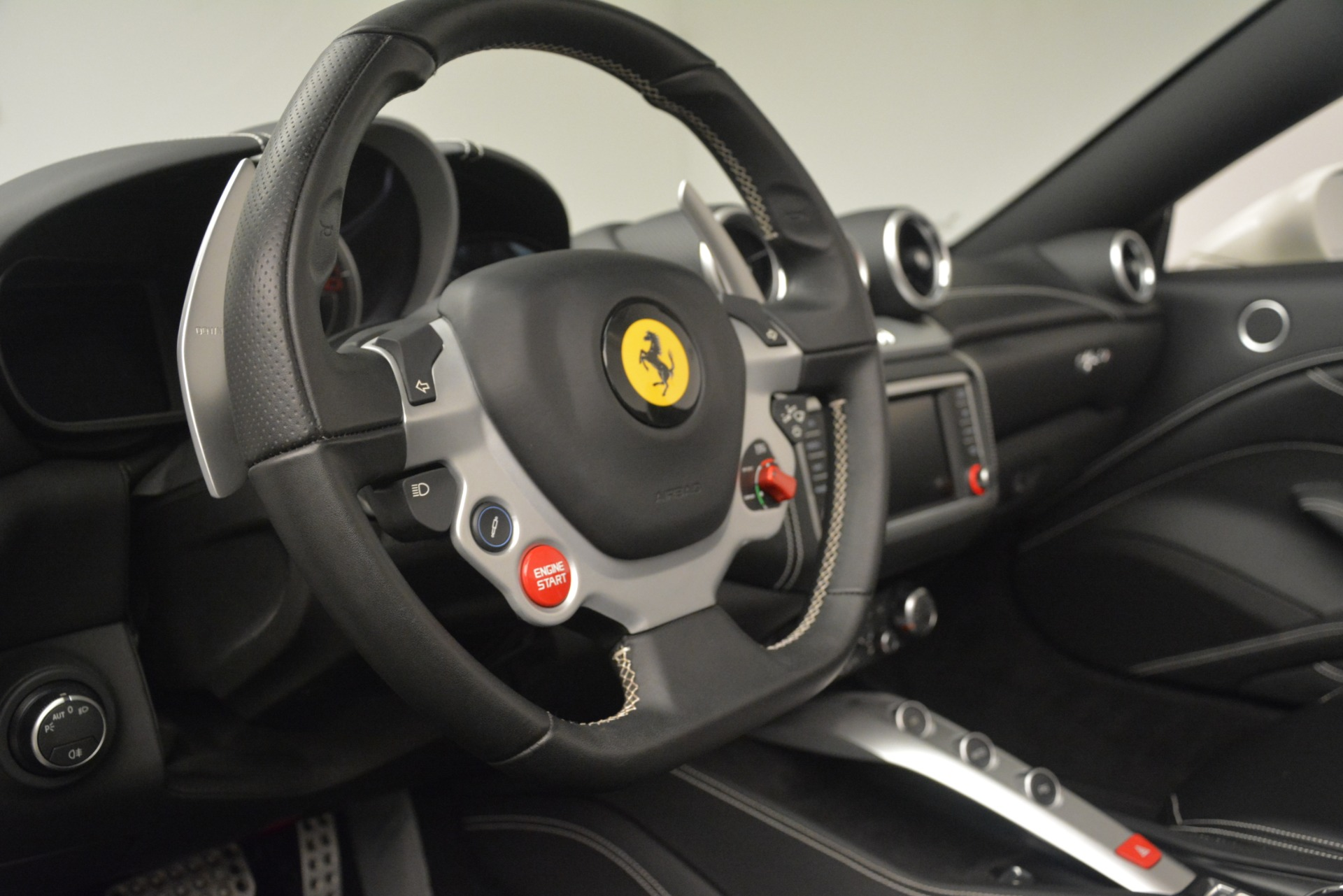 Used 2016 Ferrari California T  For Sale In Westport, CT 3256_p23