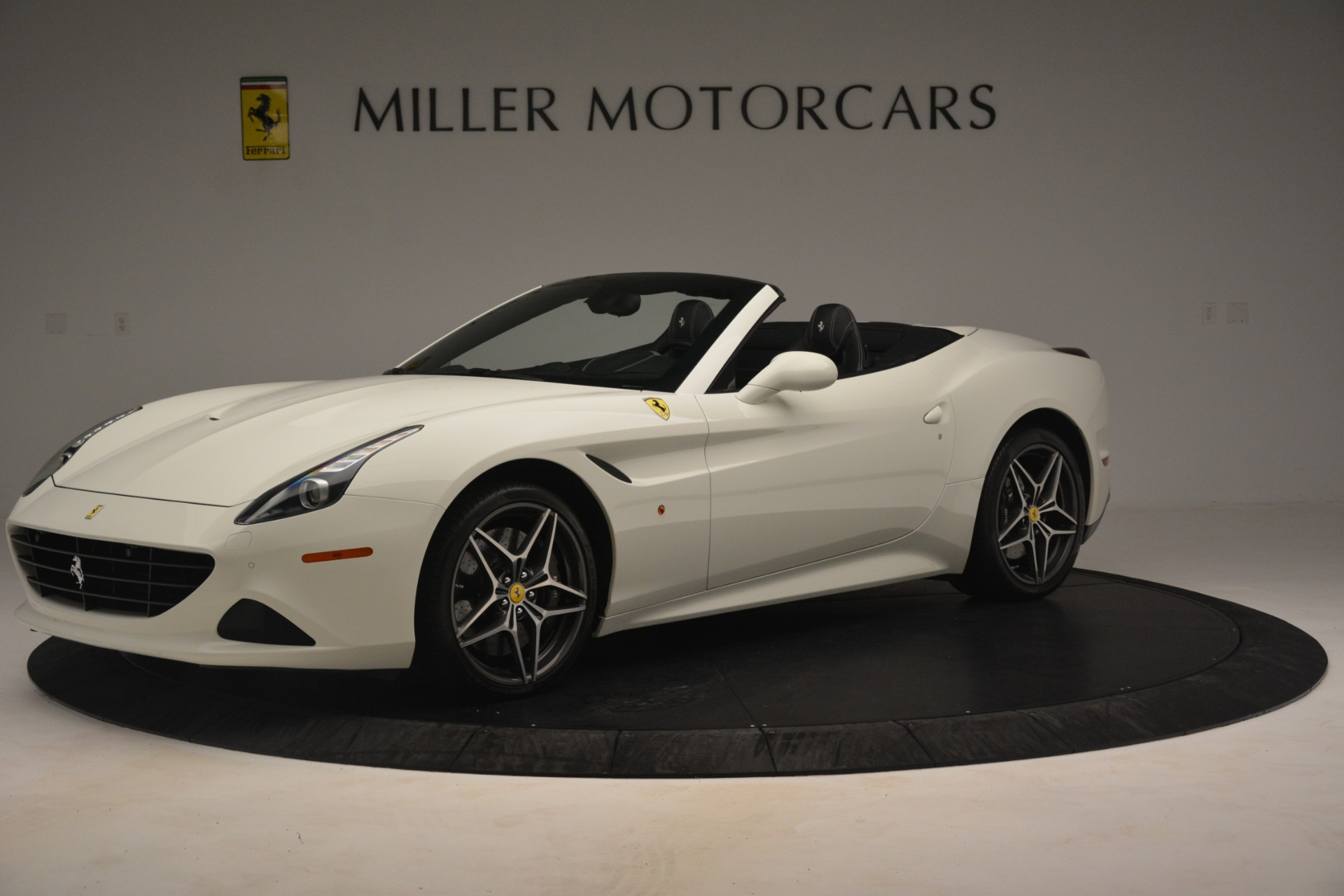 Used 2016 Ferrari California T  For Sale In Westport, CT 3256_p2