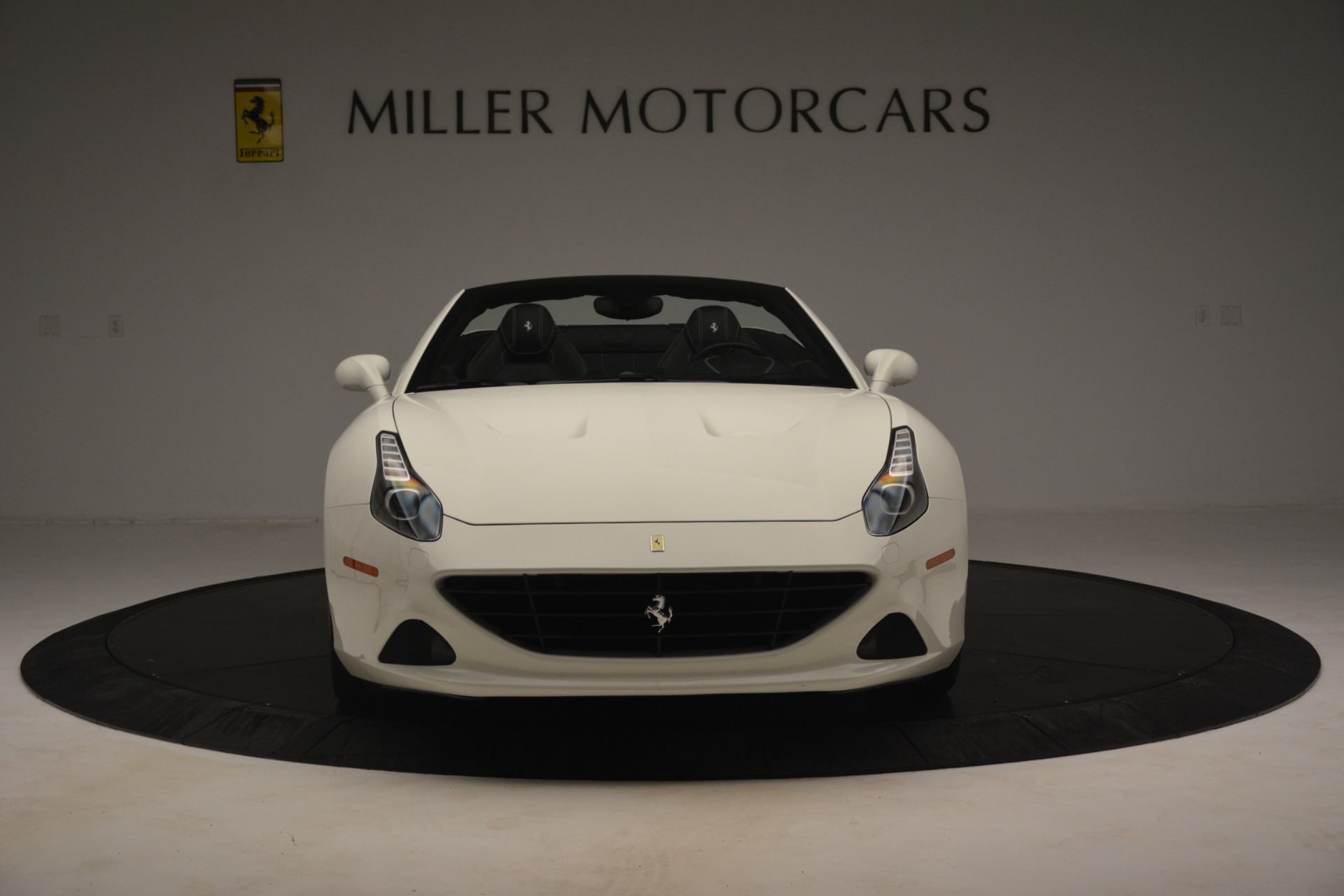 Used 2016 Ferrari California T  For Sale In Westport, CT 3256_p7