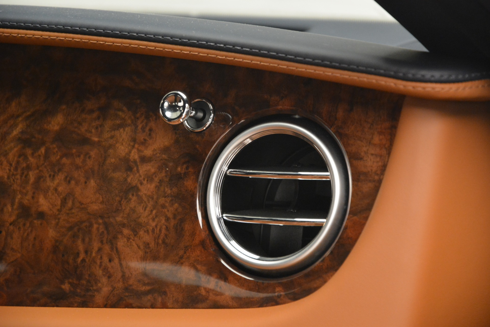 Used 2013 Bentley Continental GT V8 For Sale In Westport, CT 3257_p24