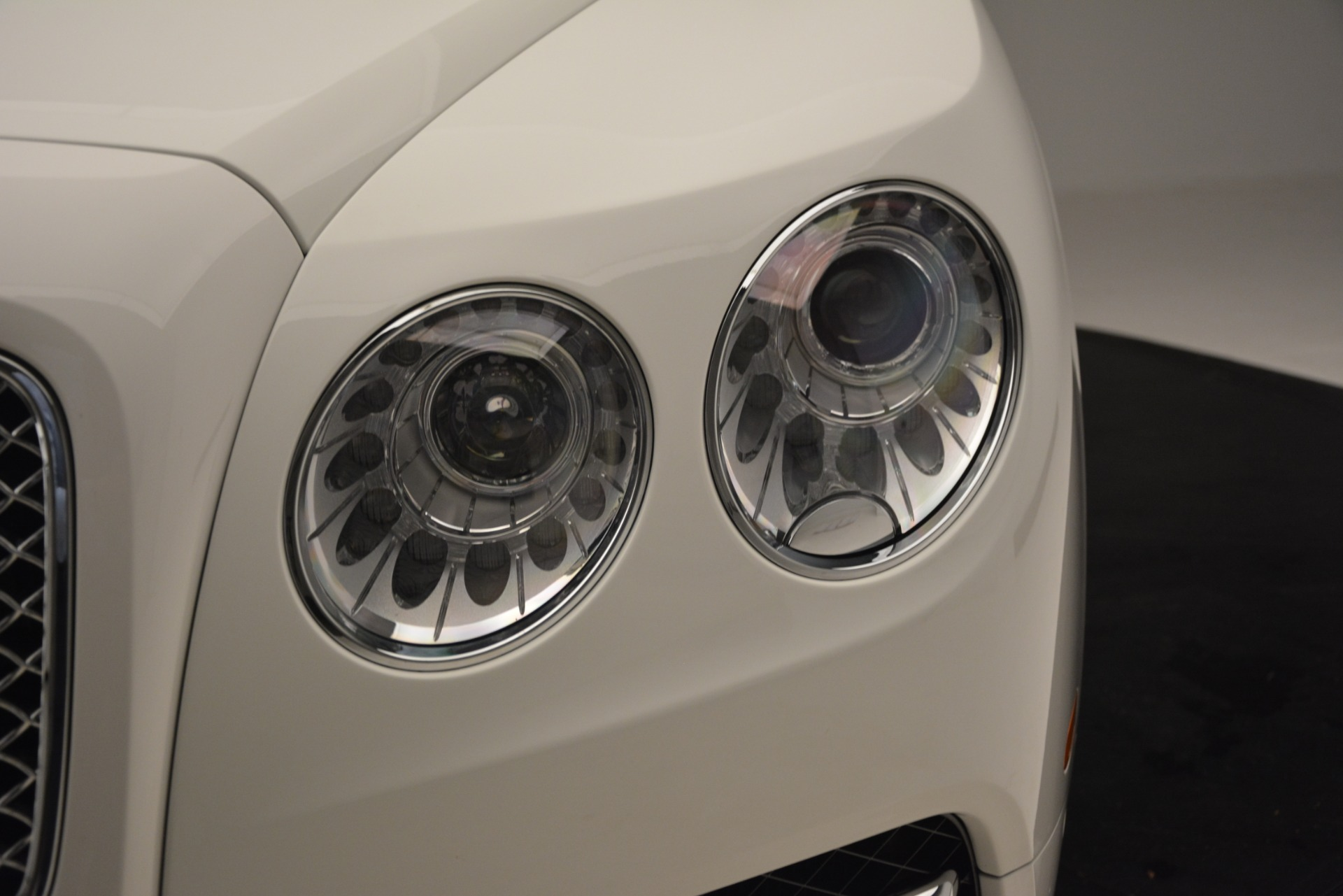 Used 2016 Bentley Flying Spur V8 For Sale In Westport, CT 3265_p15