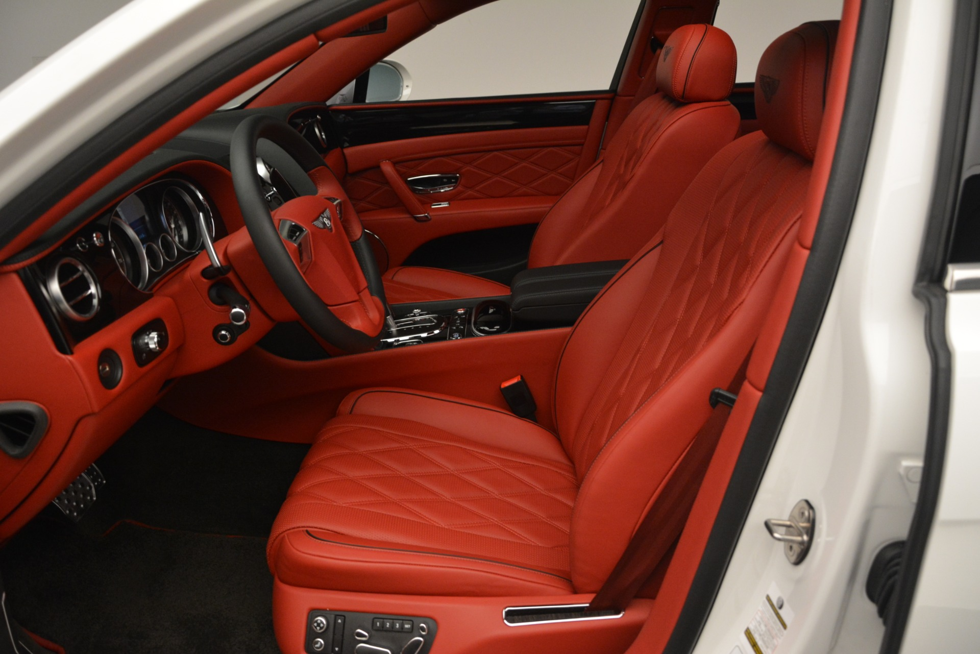 Used 2016 Bentley Flying Spur V8 For Sale In Westport, CT 3265_p19