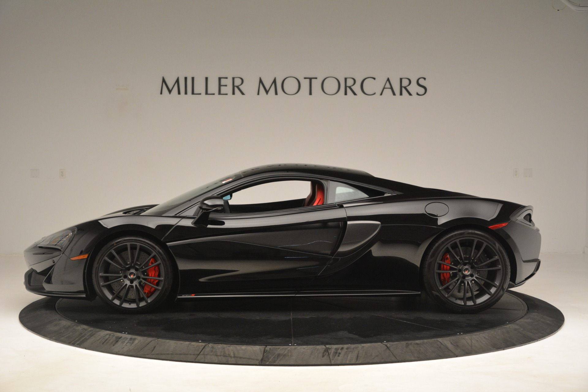 Used 2016 McLaren 570S Coupe For Sale In Westport, CT 3268_p2