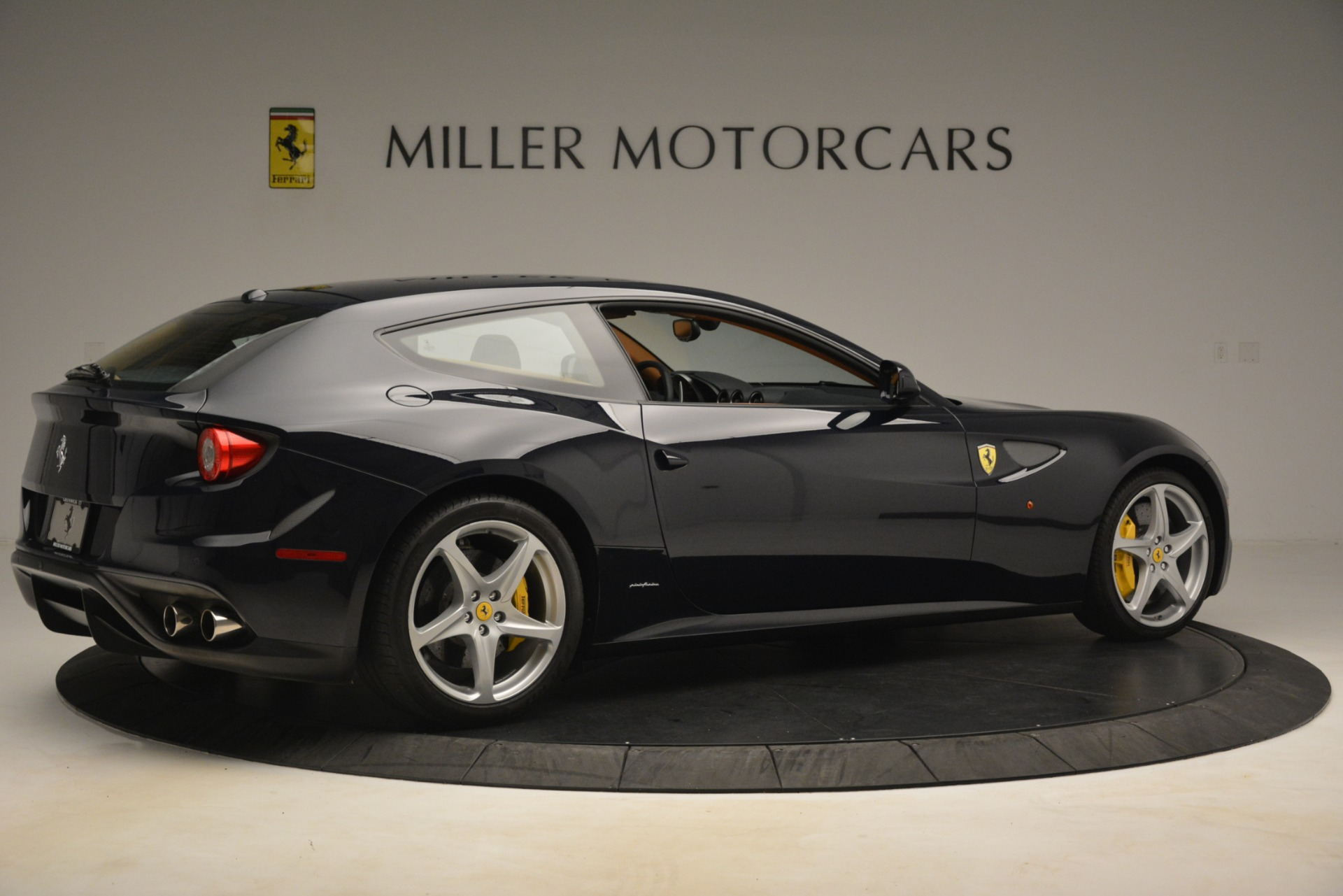 Used 2013 Ferrari FF  For Sale In Westport, CT 3269_p9