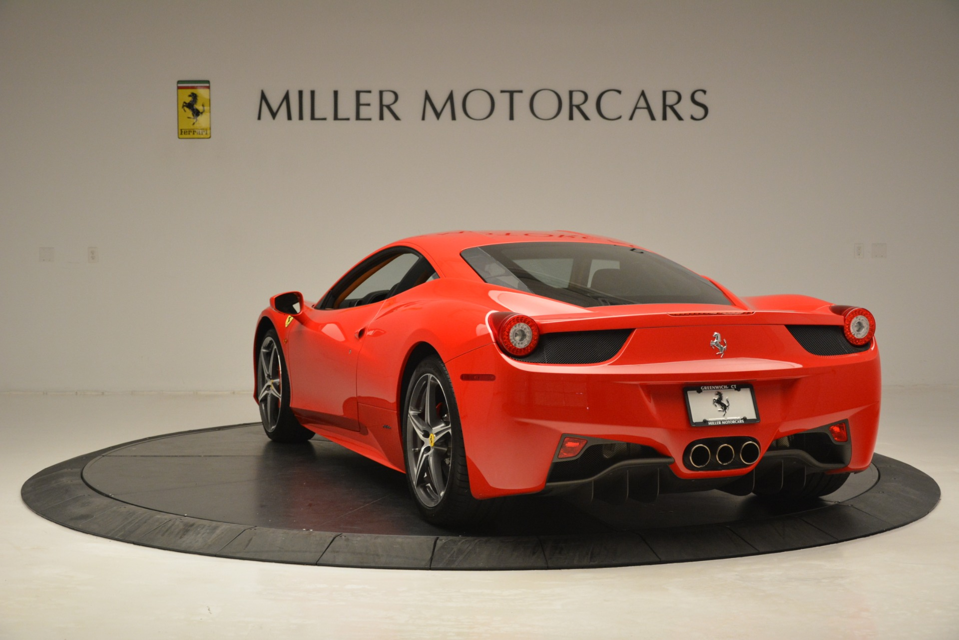 Used 2014 Ferrari 458 Italia  For Sale In Westport, CT 3271_p5