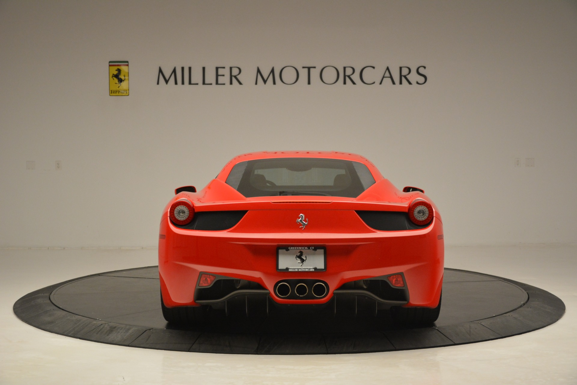 Used 2014 Ferrari 458 Italia  For Sale In Westport, CT 3271_p6