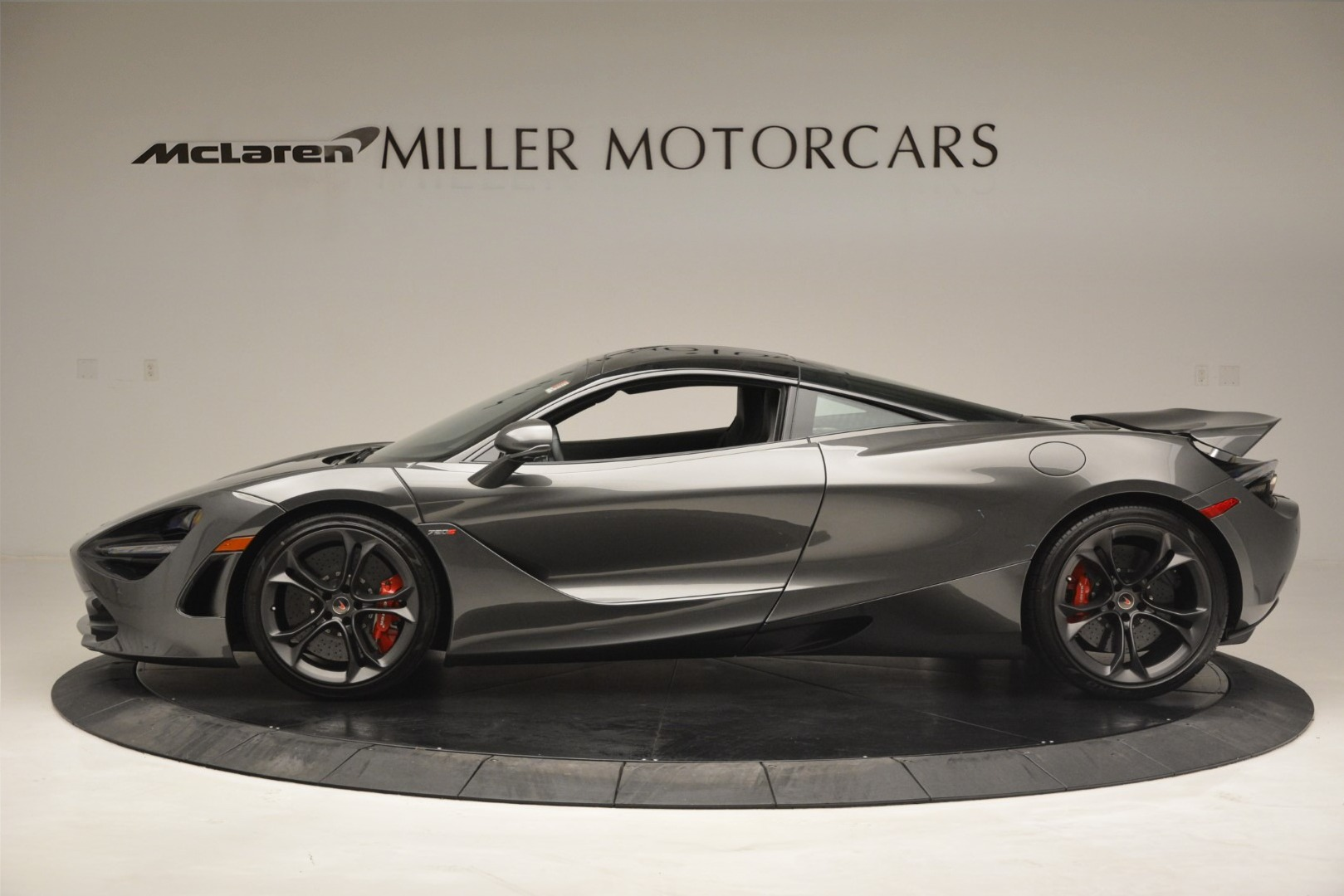 Used 2018 McLaren 720S Coupe For Sale In Westport, CT 3287_p2
