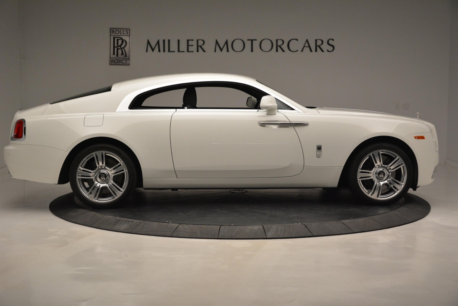 Used 2016 Rolls-Royce Wraith  For Sale In Westport, CT 3294_p10