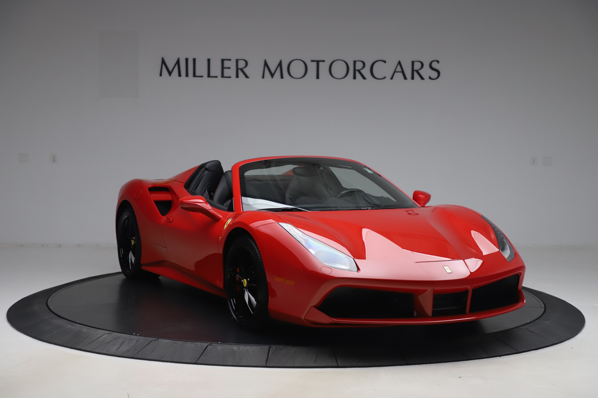 Used 2017 Ferrari 488 Spider  For Sale In Westport, CT 3296_p11