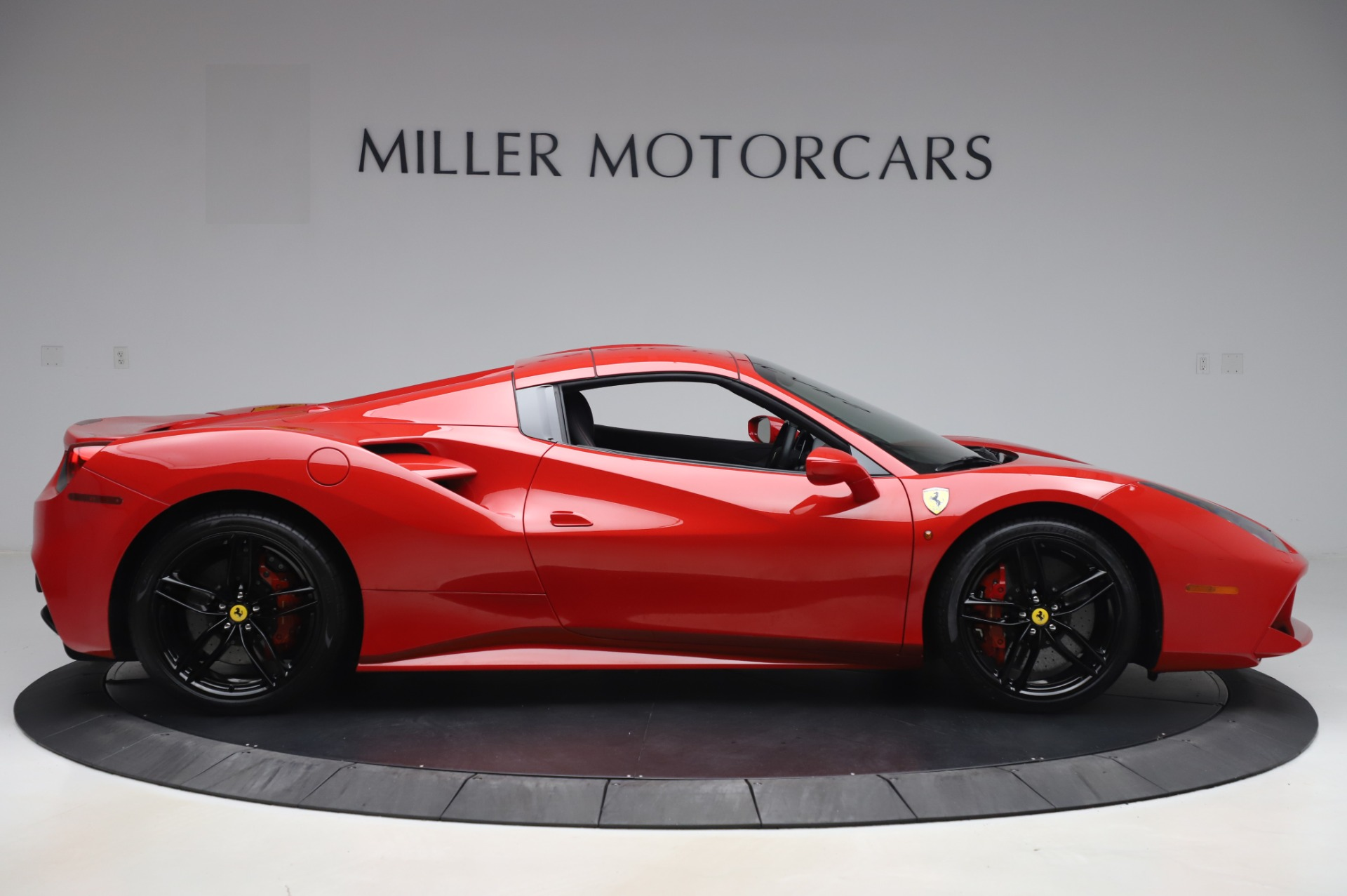 Used 2017 Ferrari 488 Spider  For Sale In Westport, CT 3296_p17