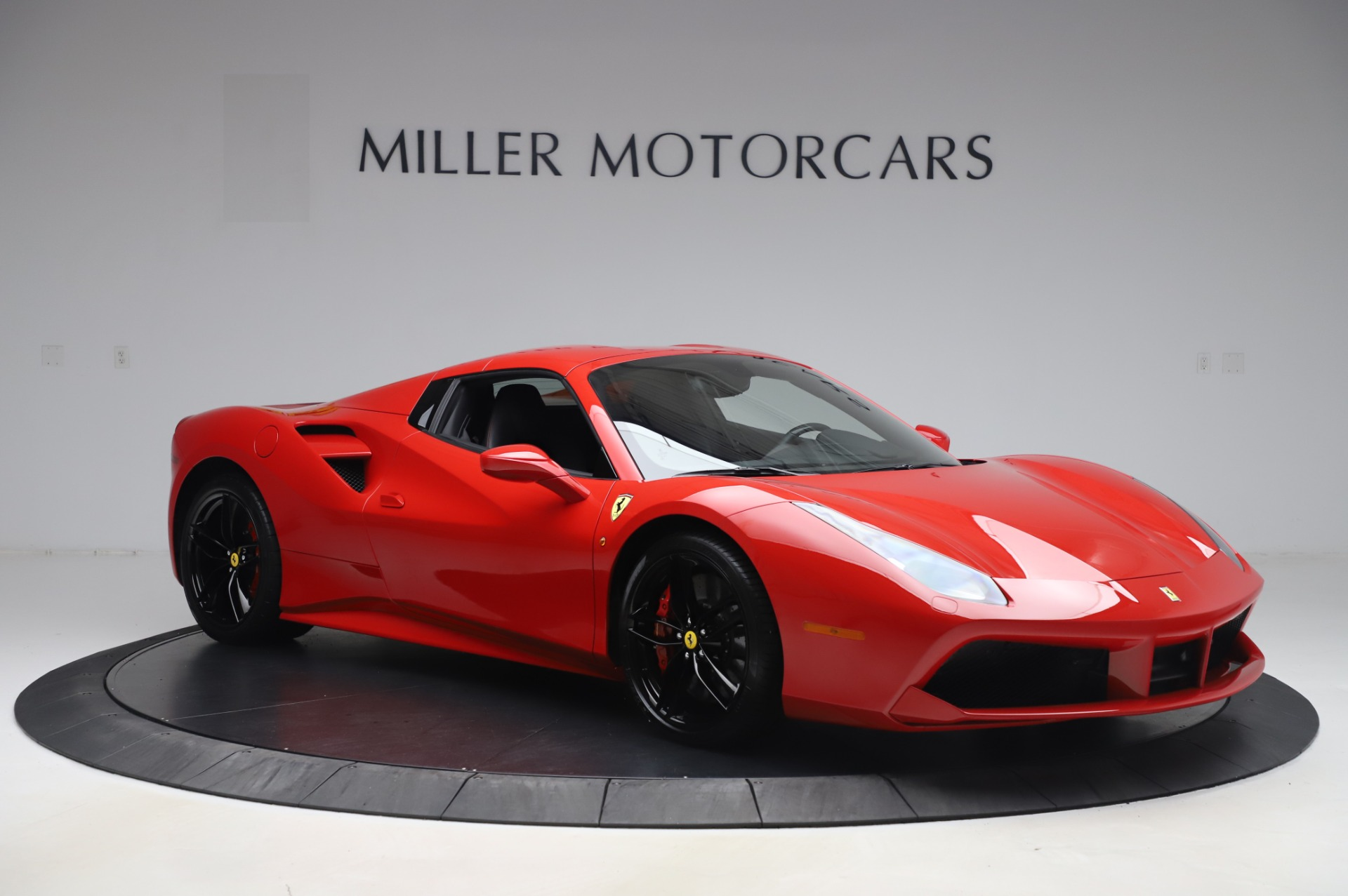 Used 2017 Ferrari 488 Spider  For Sale In Westport, CT 3296_p18