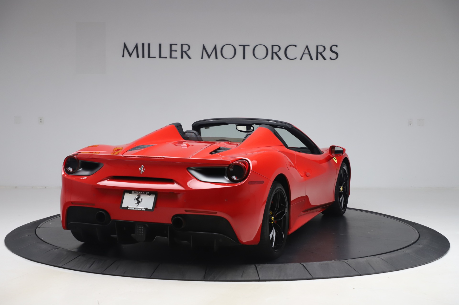 Used 2017 Ferrari 488 Spider  For Sale In Westport, CT 3296_p7