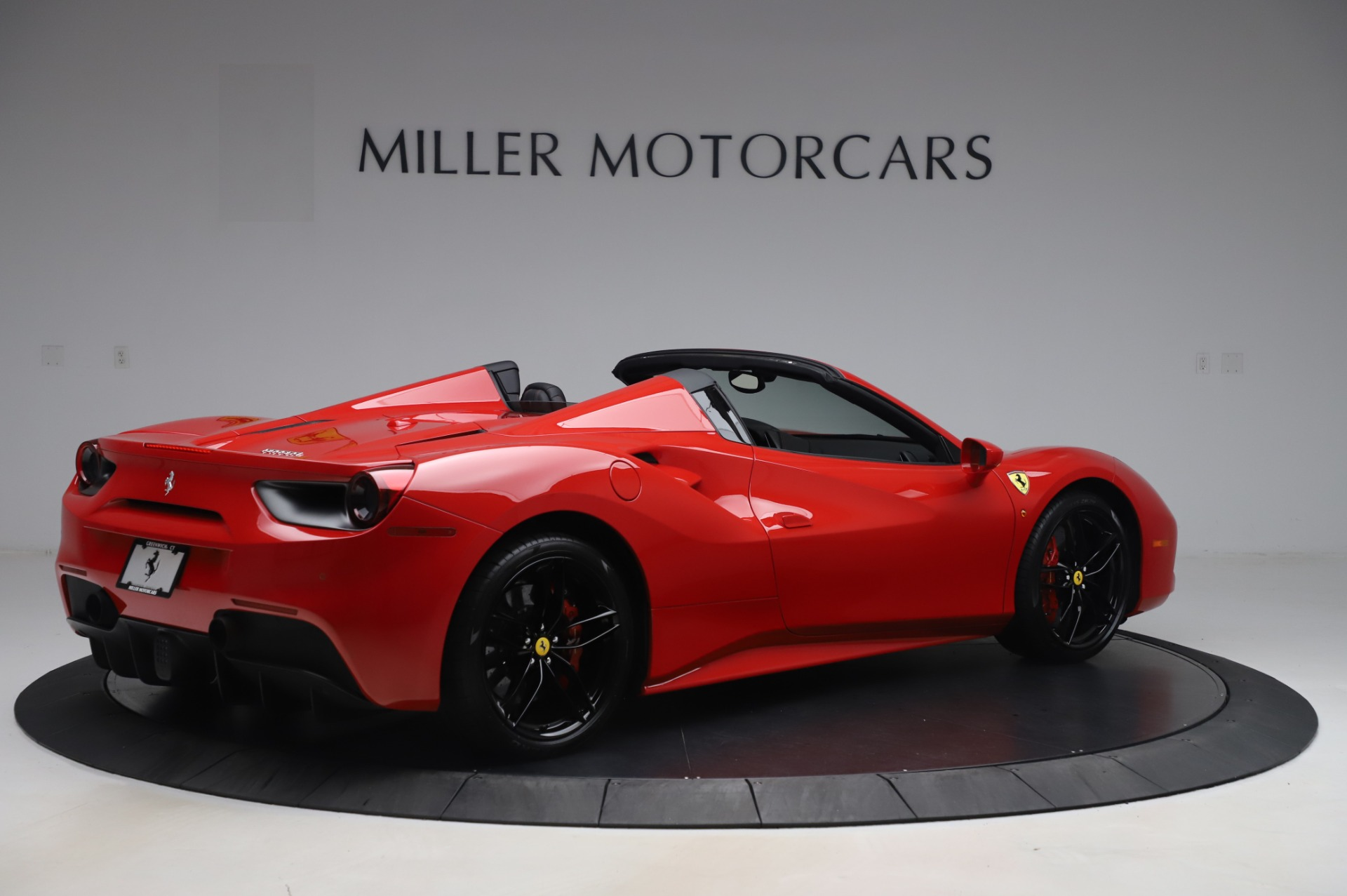 Used 2017 Ferrari 488 Spider  For Sale In Westport, CT 3296_p8